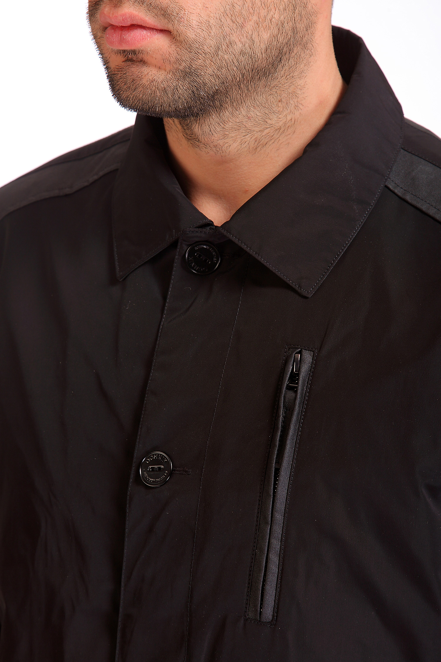 Фото 7 - Мужская куртка из текстиля с воротником, отделка искусственная кожа от МОСМЕХА черного цвета
