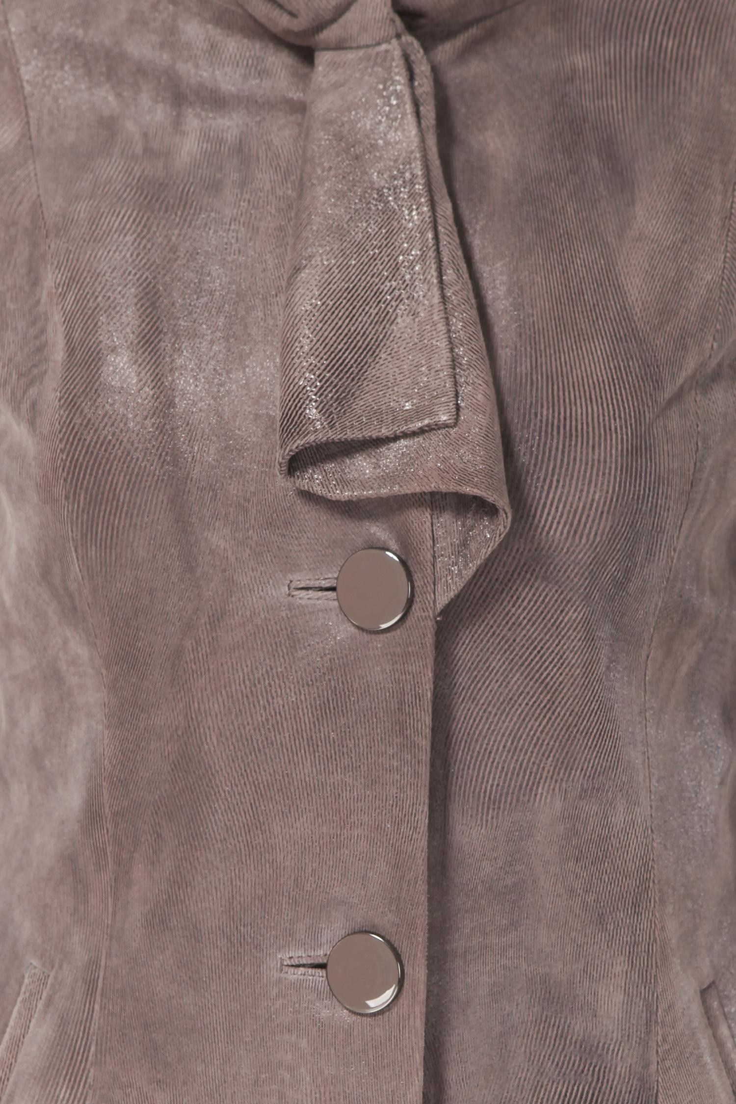Фото 7 - Женская кожаная куртка из натуральной замши (с накатом) с воротником от МОСМЕХА бежевого цвета