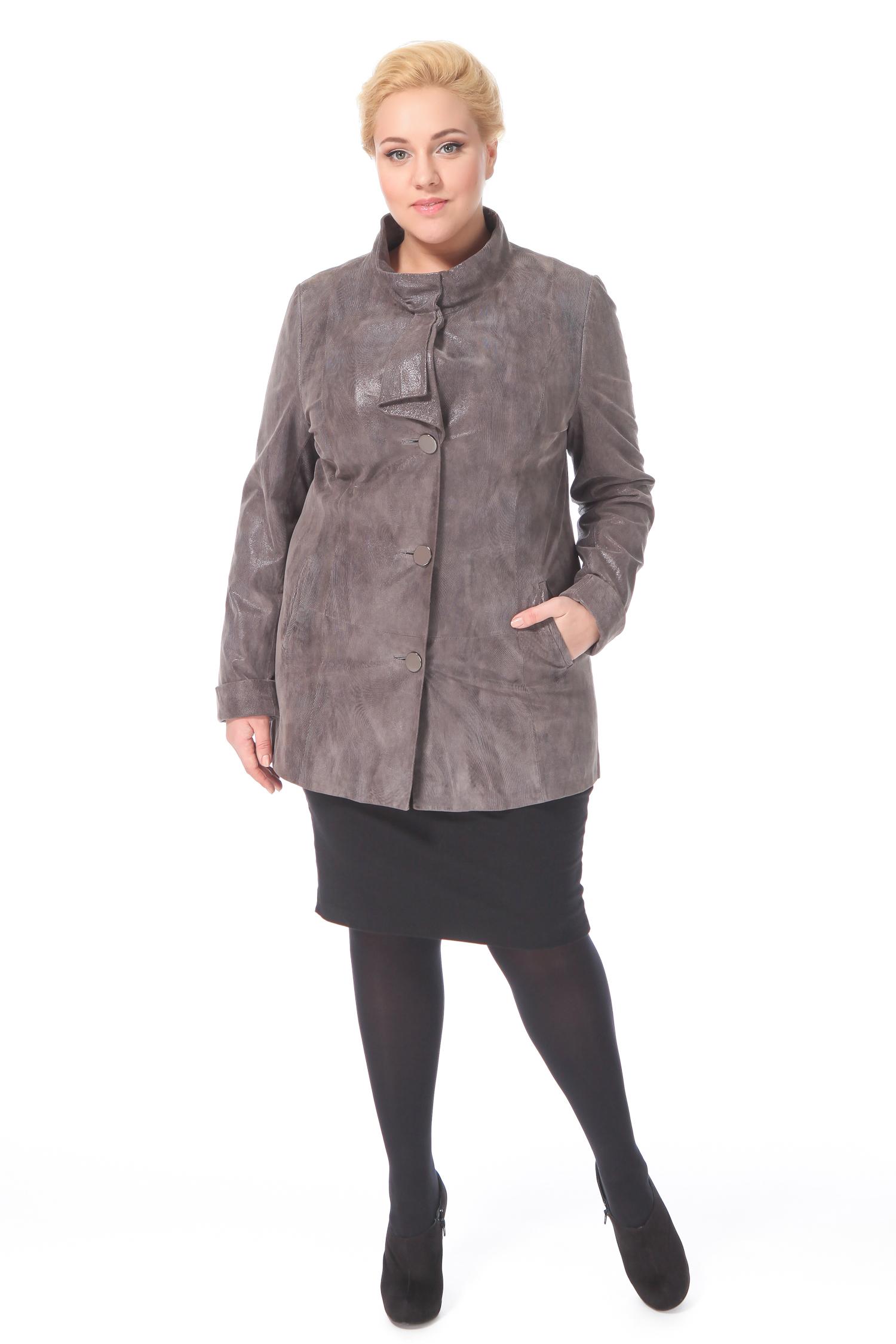 Фото 9 - Женская кожаная куртка из натуральной замши (с накатом) с воротником от МОСМЕХА бежевого цвета