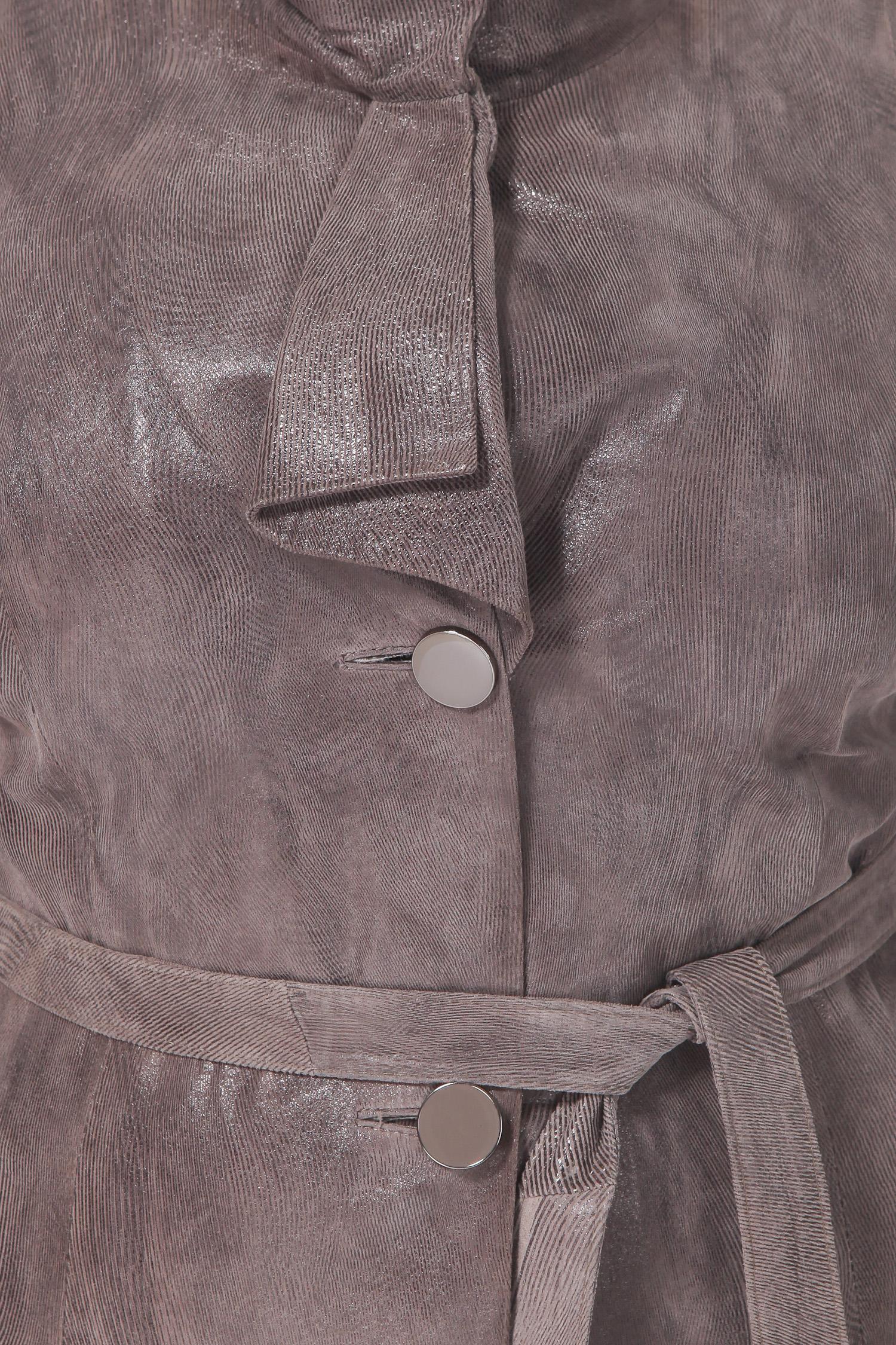 Фото 8 - Женская кожаная куртка из натуральной замши (с накатом) с воротником от МОСМЕХА бежевого цвета