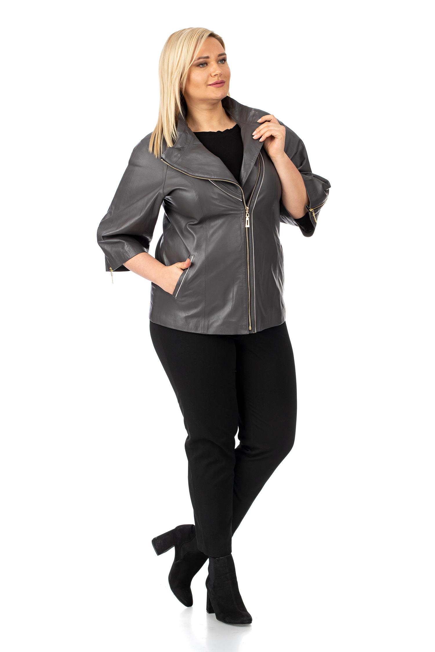 Фото 2 - Женская кожаная куртка из натуральной кожи с воротником от МОСМЕХА серого цвета