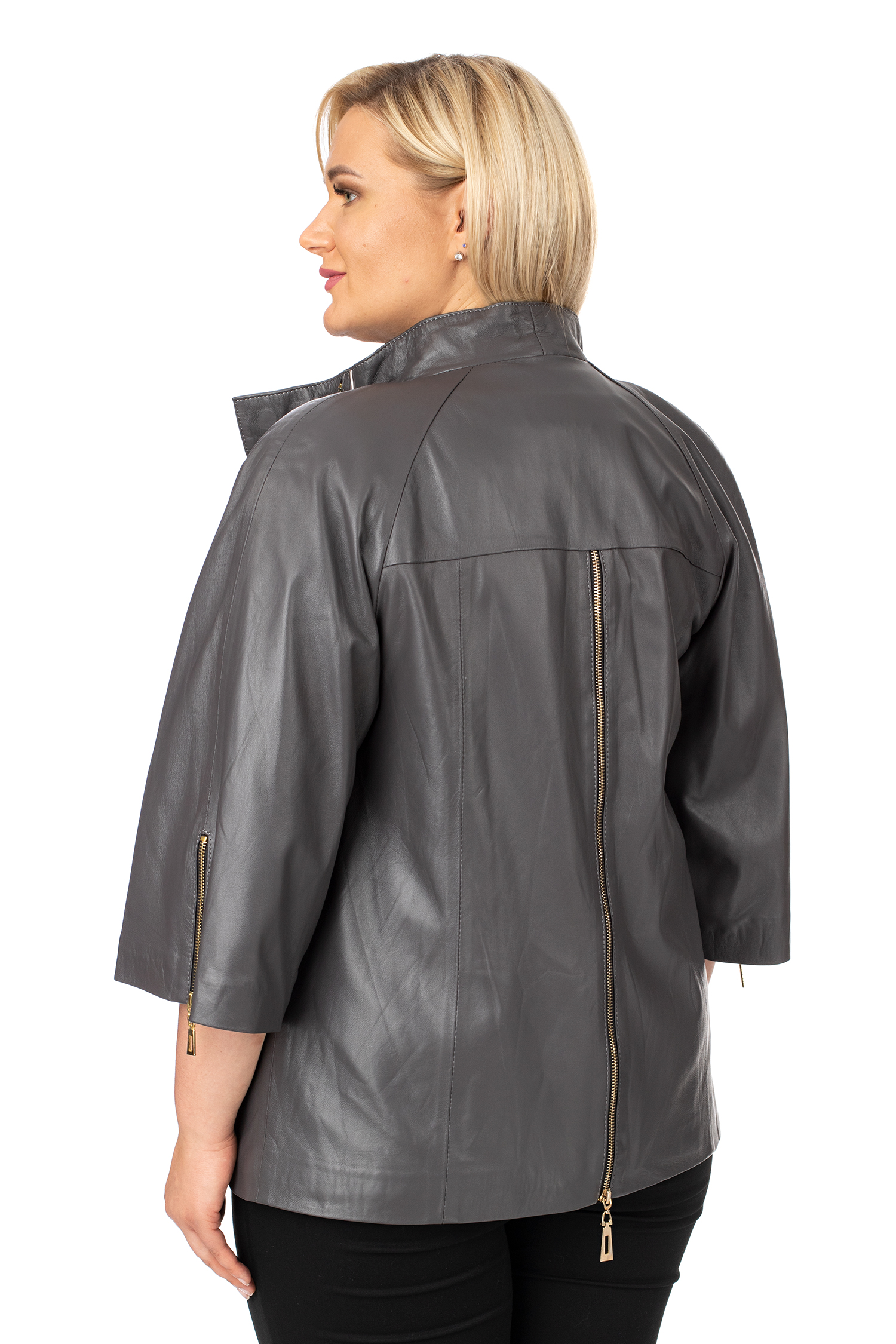 Фото 3 - Женская кожаная куртка из натуральной кожи с воротником от МОСМЕХА серого цвета