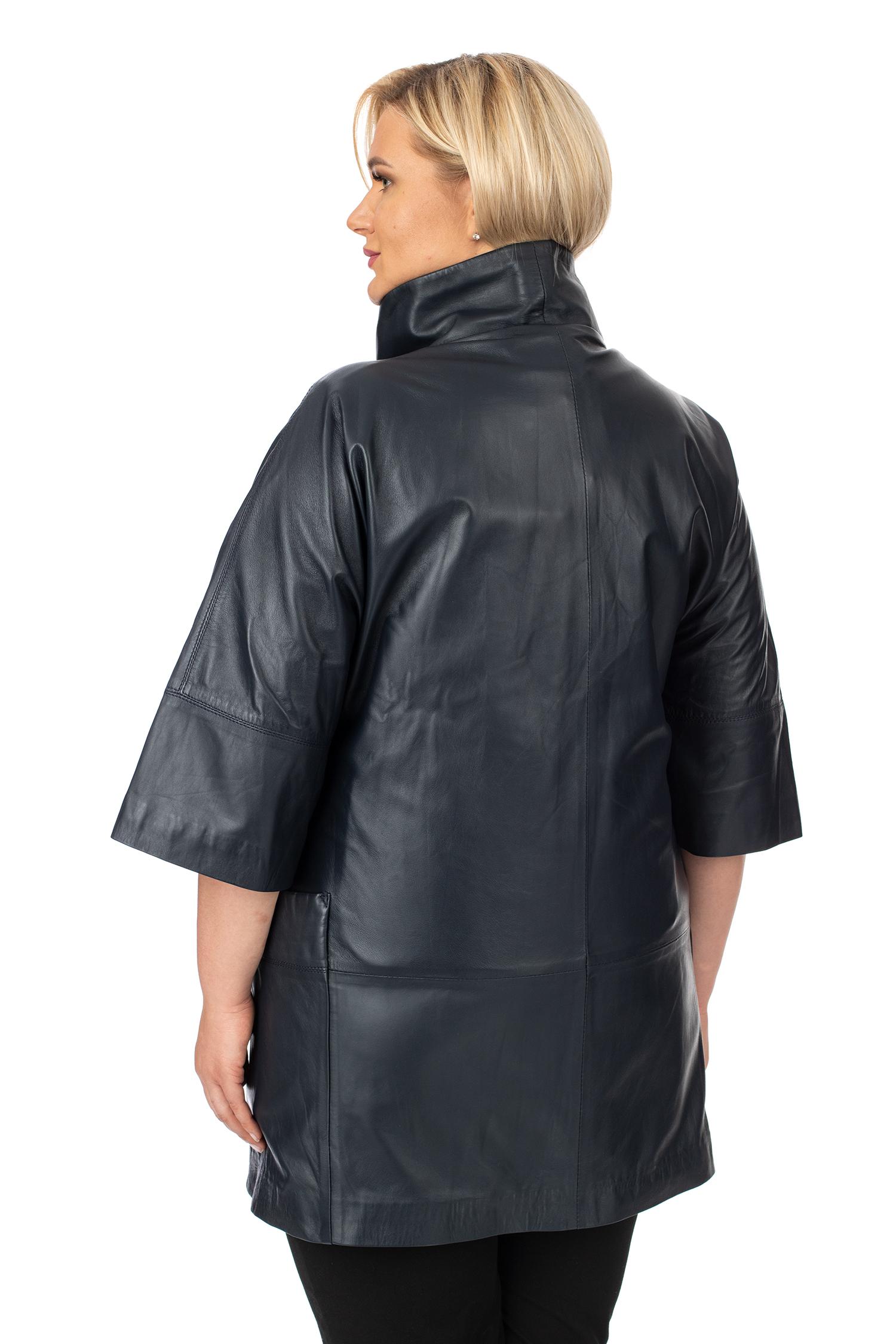 Фото 3 - Женское кожаное пальто из натуральной кожи с воротником от МОСМЕХА синего цвета