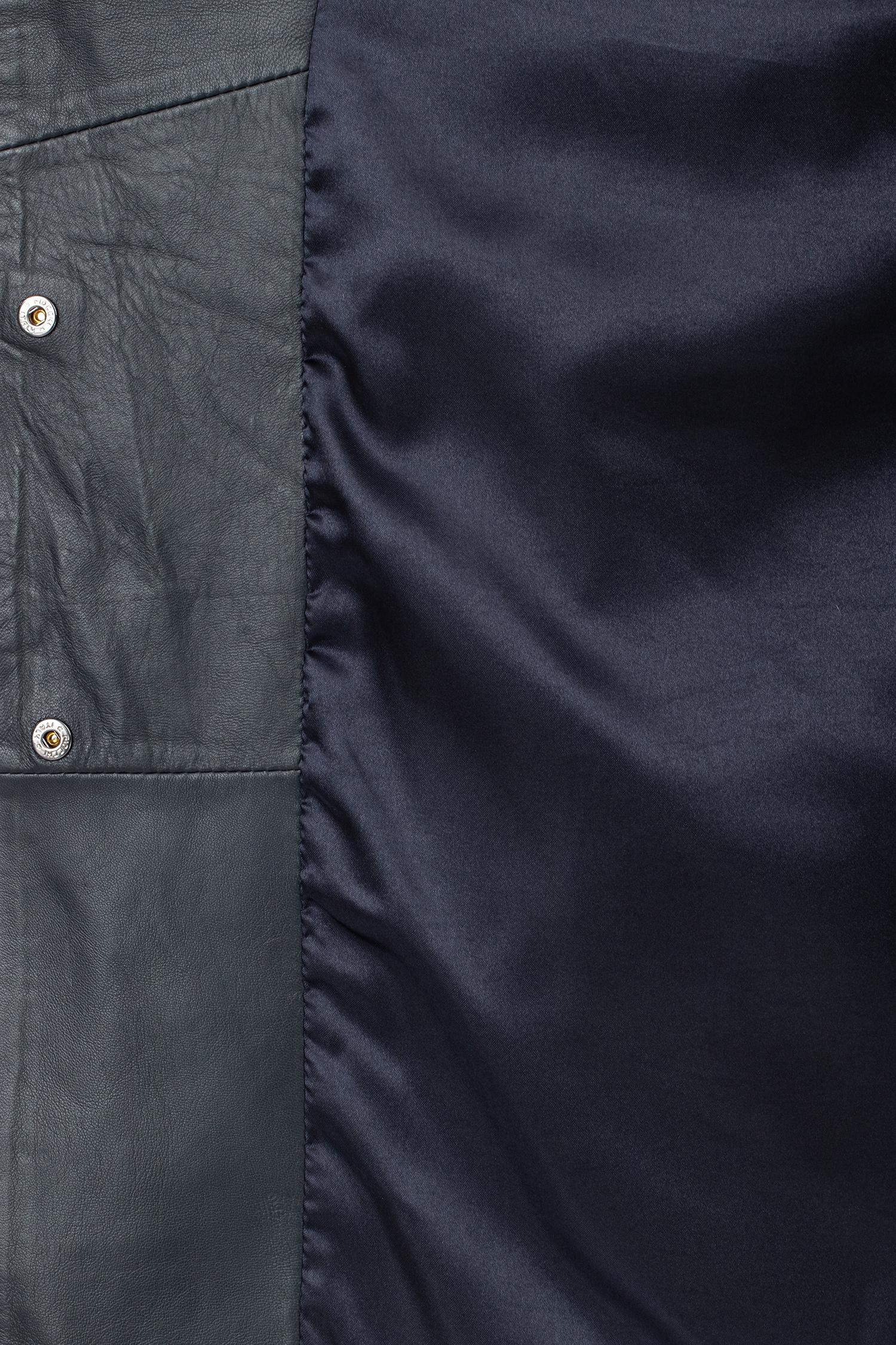 Фото 4 - Женское кожаное пальто из натуральной кожи с воротником от МОСМЕХА синего цвета