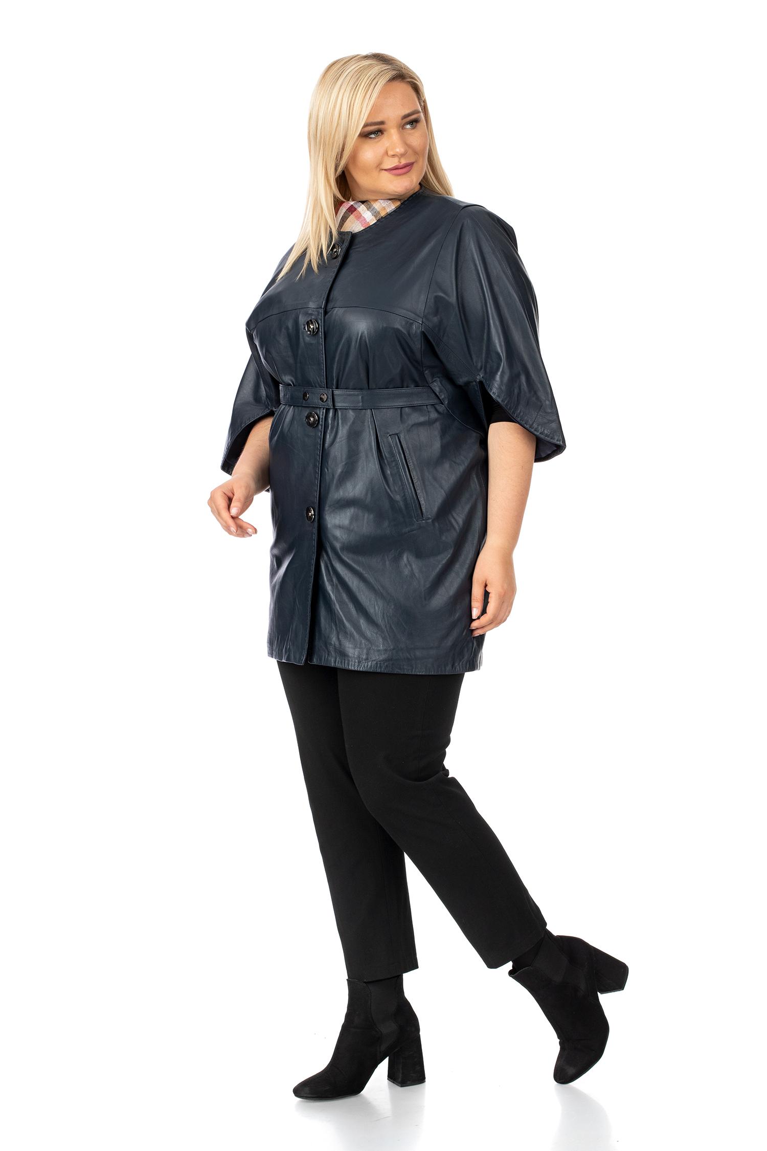 Фото 2 - Женское кожаное пальто из натуральной кожи без воротника от МОСМЕХА синего цвета