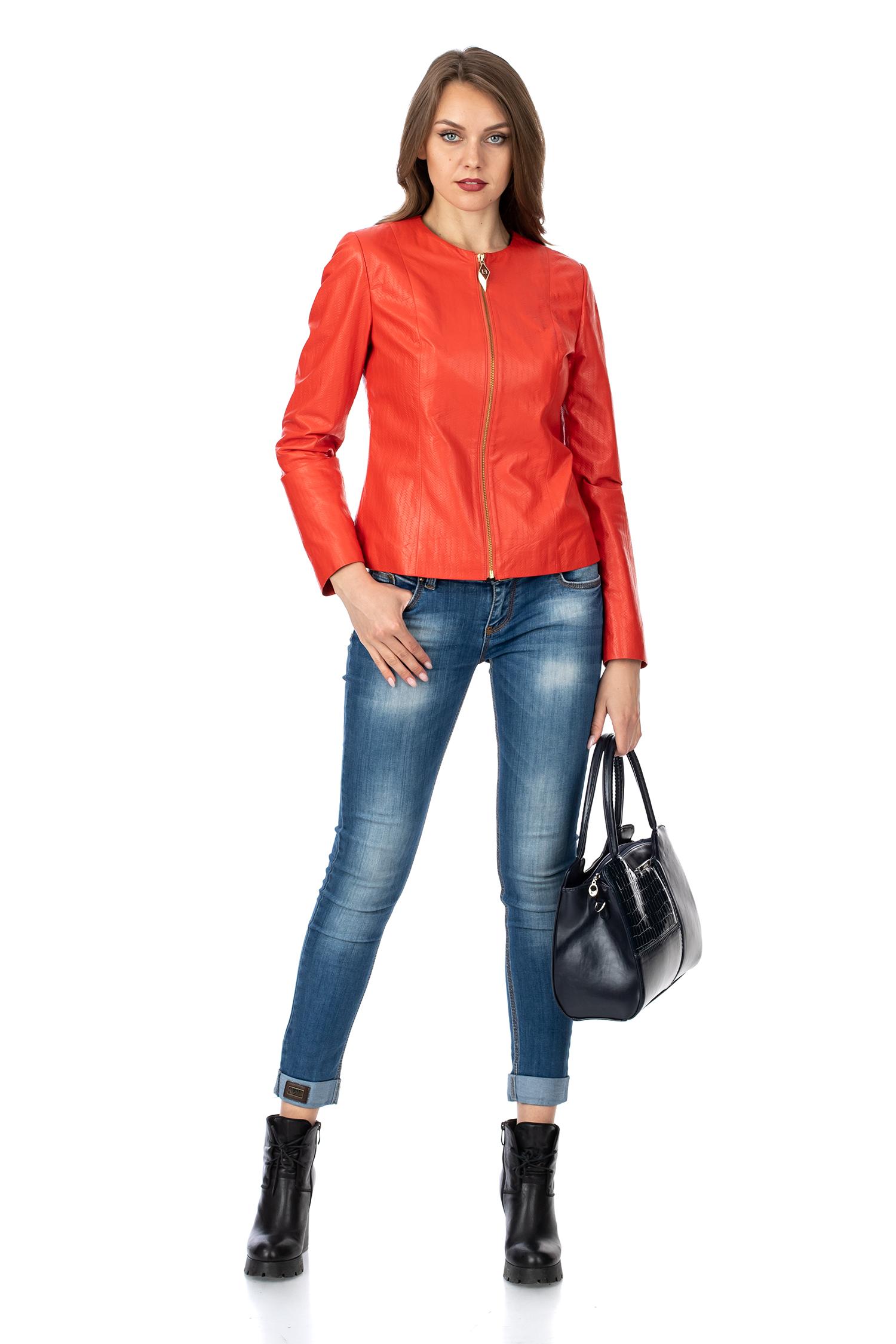 Фото 2 - Женская кожаная куртка из натуральной кожи без воротника от МОСМЕХА красного цвета
