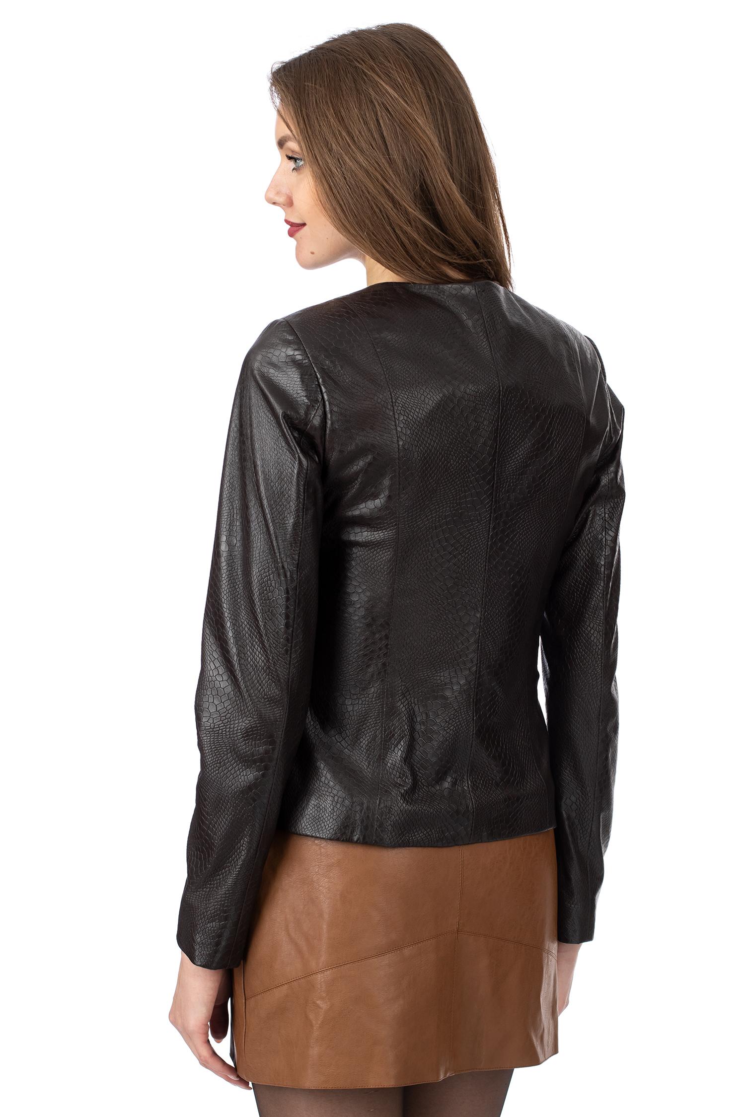 Фото 3 - Женская кожаная куртка из натуральной кожи без воротника от МОСМЕХА коричневого цвета