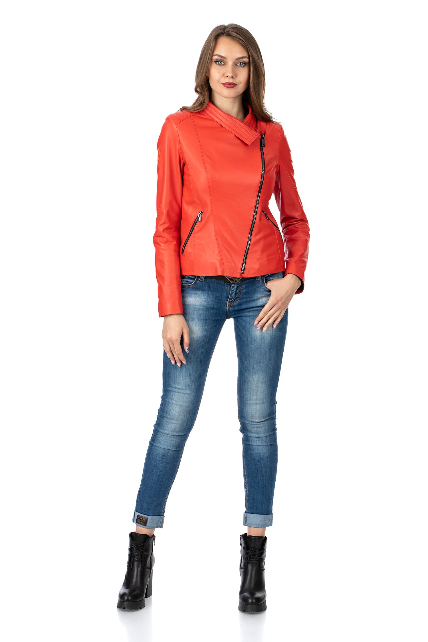 Фото 2 - Женская кожаная куртка из натуральной кожи с капюшоном от МОСМЕХА красного цвета