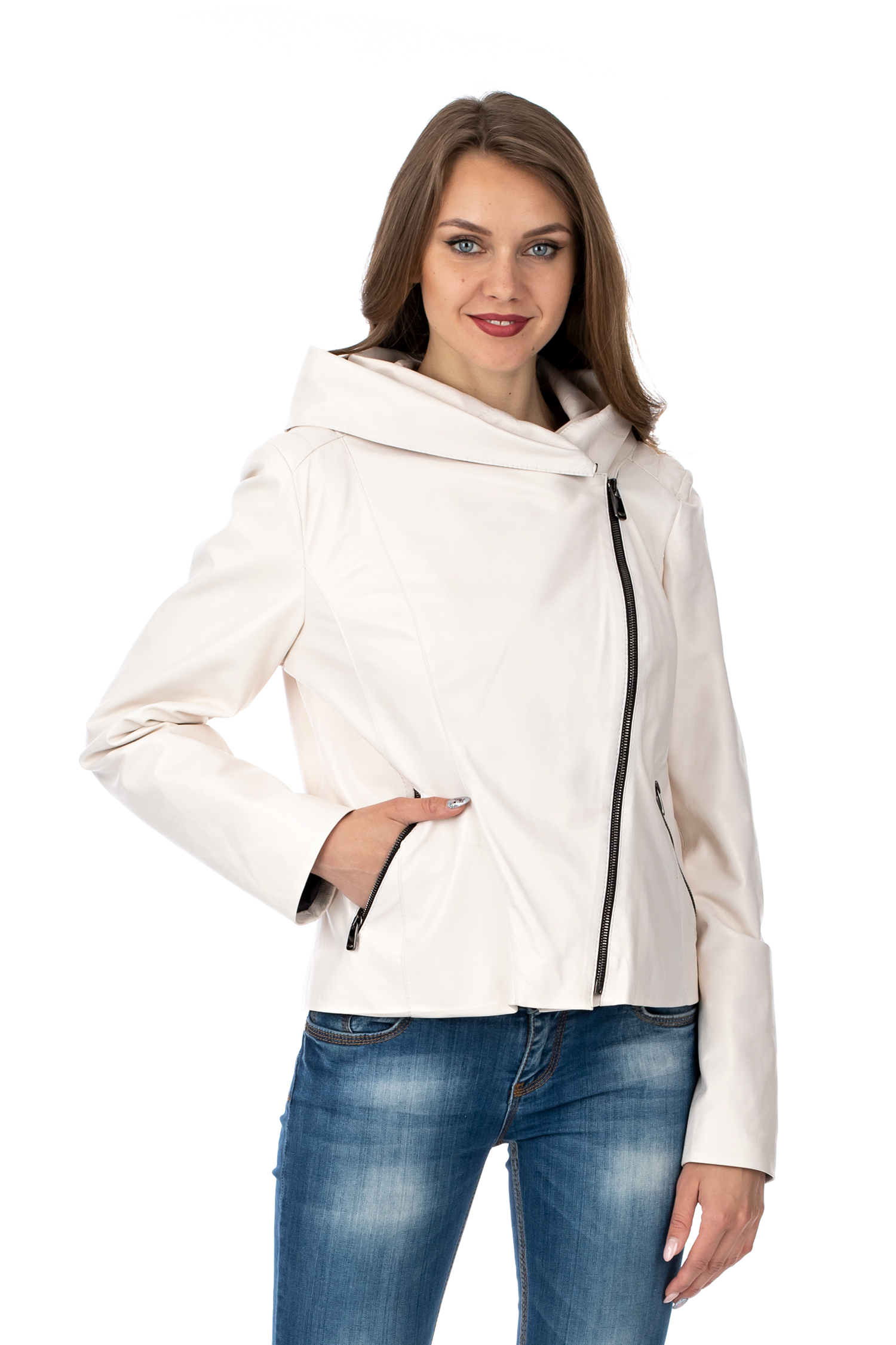 Фото - Женская кожаная куртка из натуральной кожи с капюшоном от МОСМЕХА белого цвета