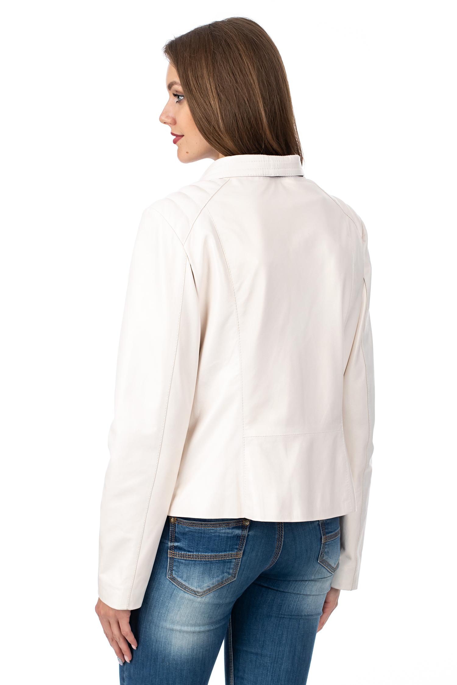 Фото 3 - Женская кожаная куртка из натуральной кожи с капюшоном от МОСМЕХА белого цвета