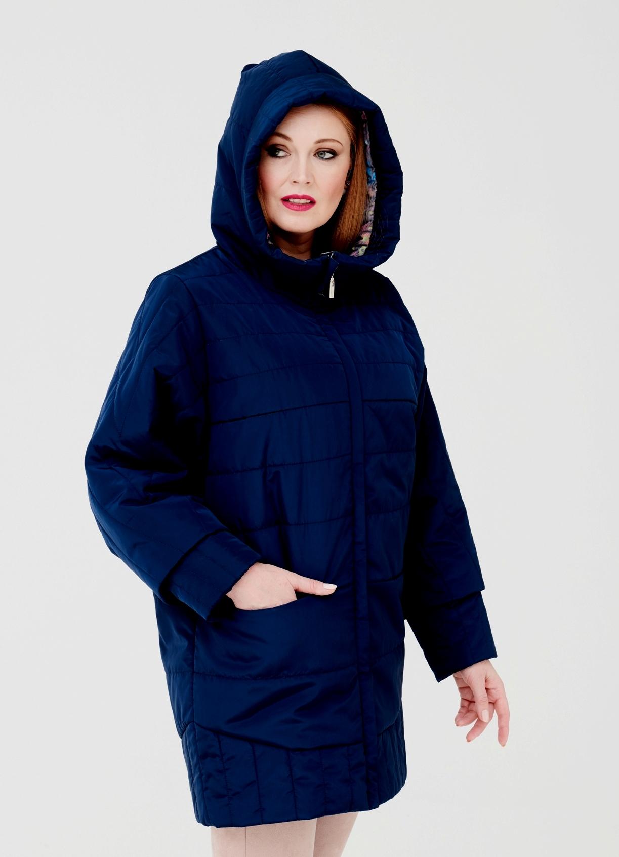 Купить со скидкой Куртка женская из текстиля с капюшоном, без отделки
