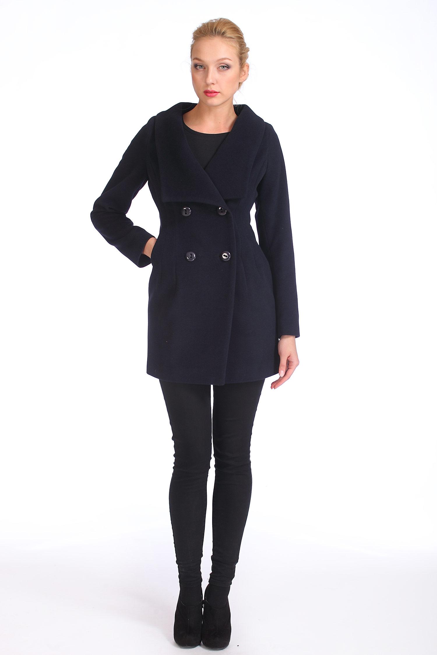 Фото 3 - Женское пальто из текстиля с воротником от МОСМЕХА синего цвета
