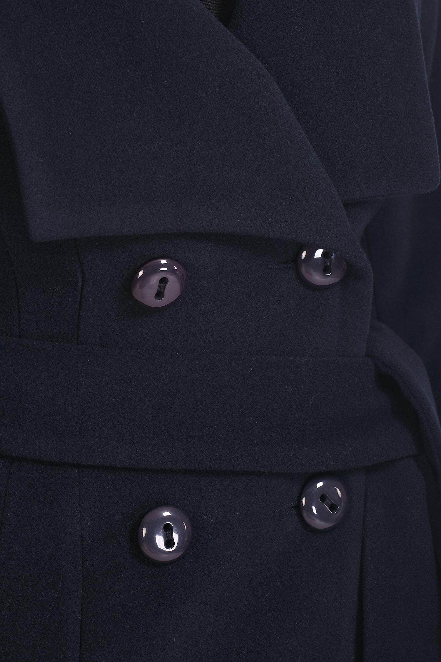 Фото 4 - Женское пальто из текстиля с воротником от МОСМЕХА синего цвета