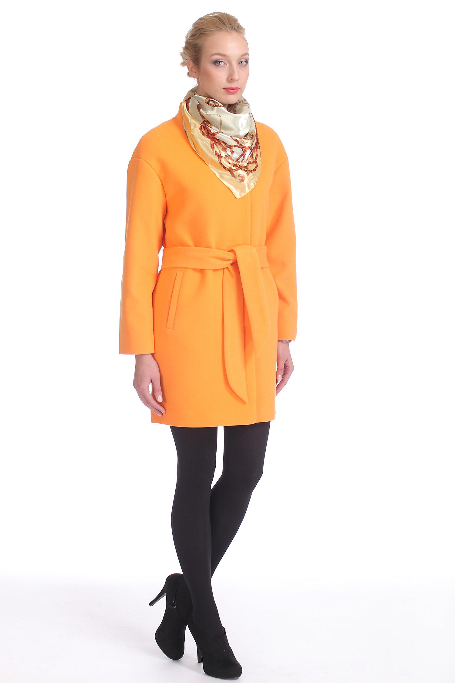 Фото 3 - Женское пальто из текстиля с воротником от МОСМЕХА оранжевого цвета
