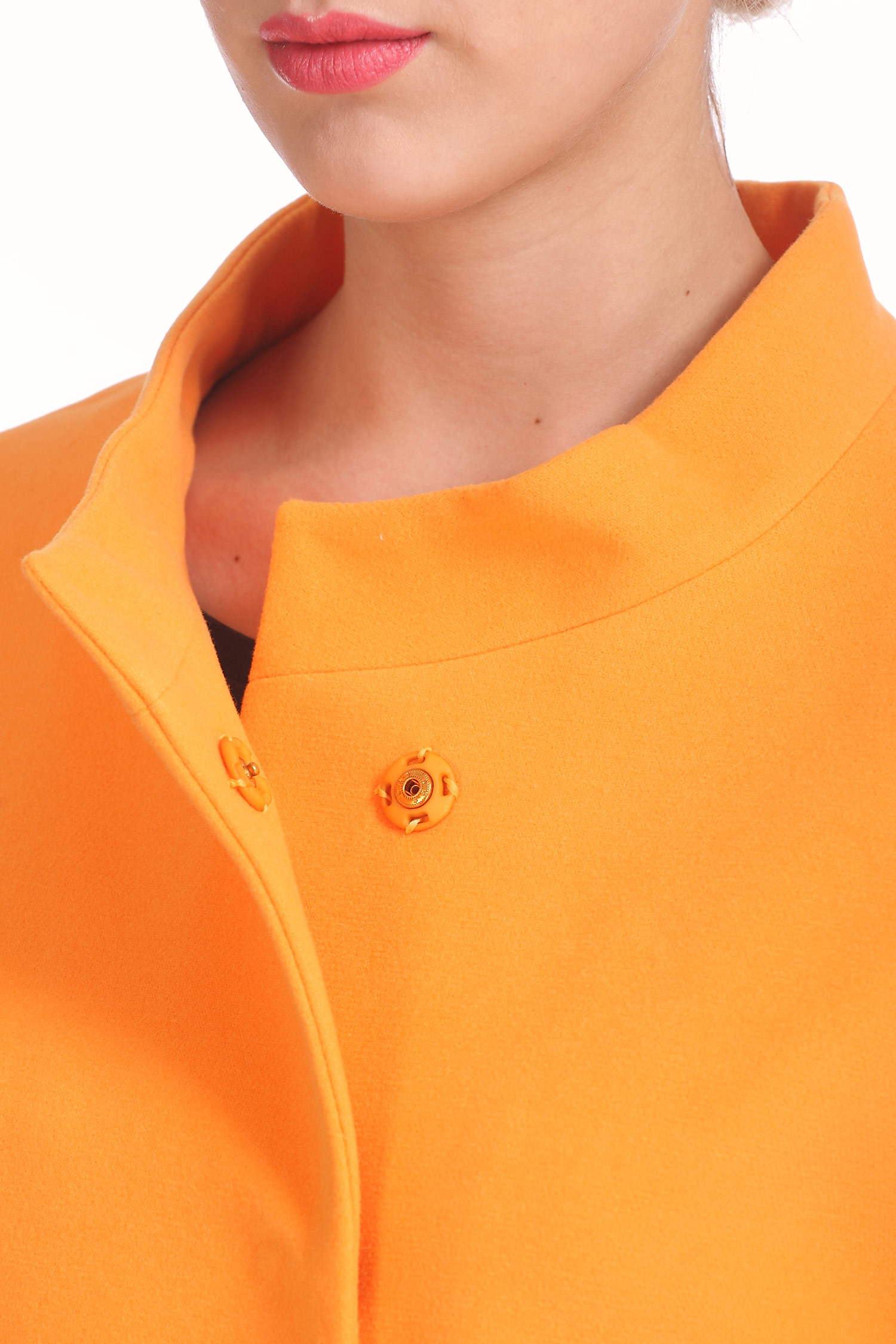 Фото 4 - Женское пальто из текстиля с воротником от МОСМЕХА оранжевого цвета