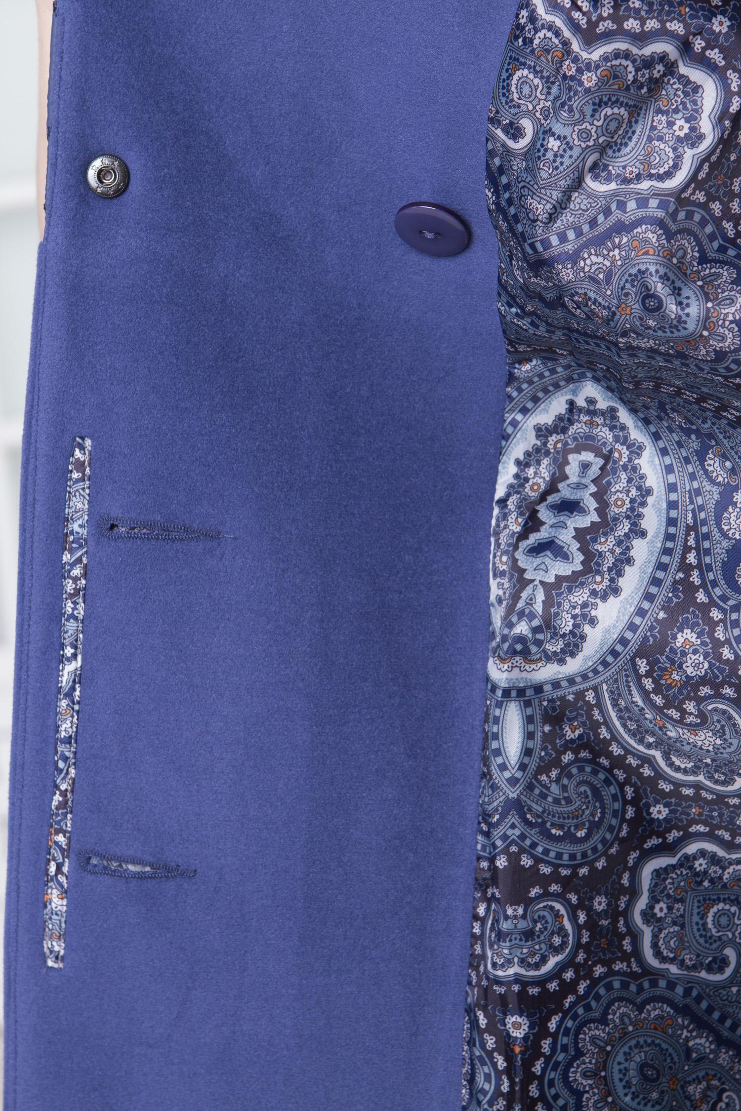 Фото 9 - Женское пальто из текстиля с воротником от МОСМЕХА сиреневого цвета