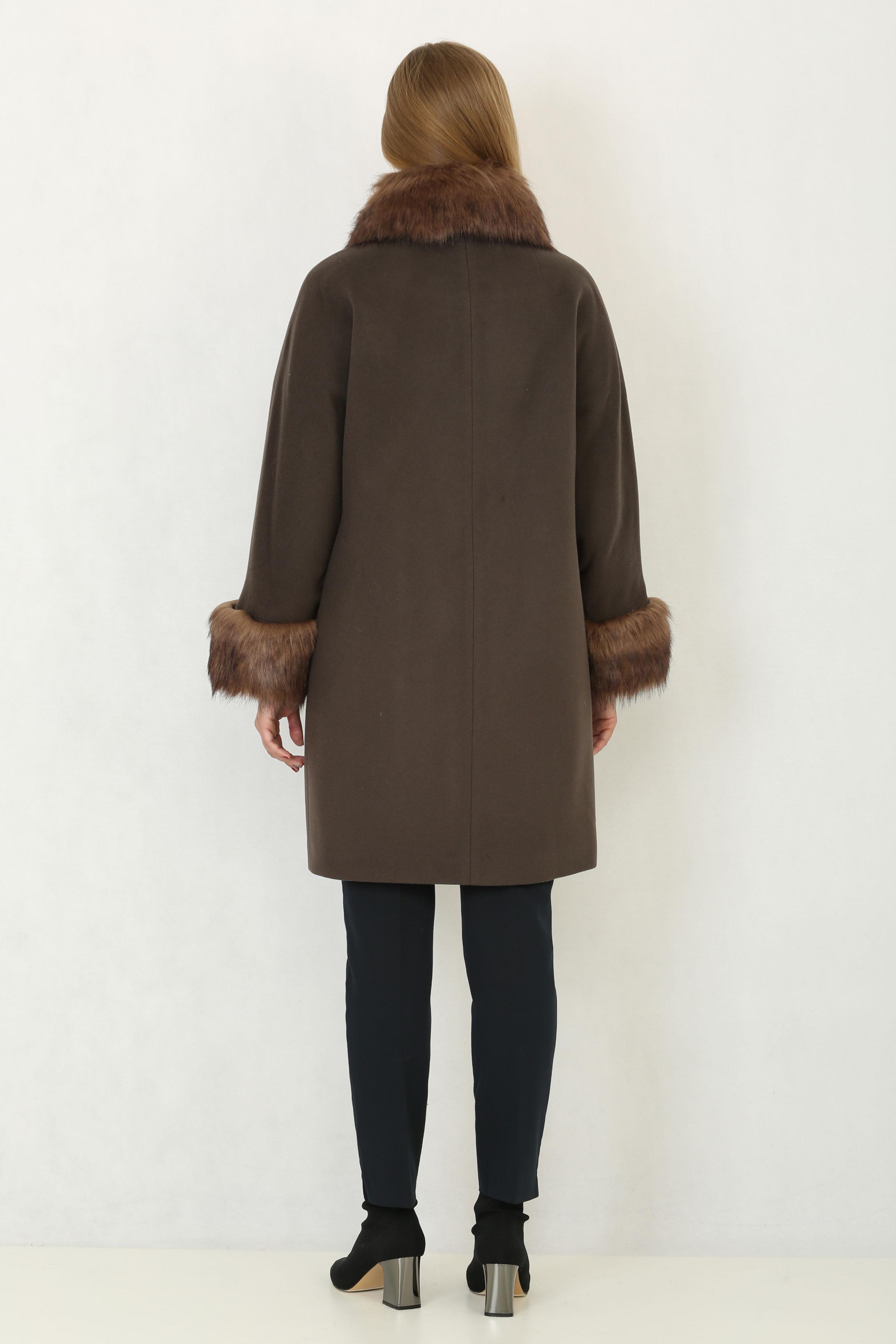 Женское пальто из текстиля с воротником, отделка искусственный мех