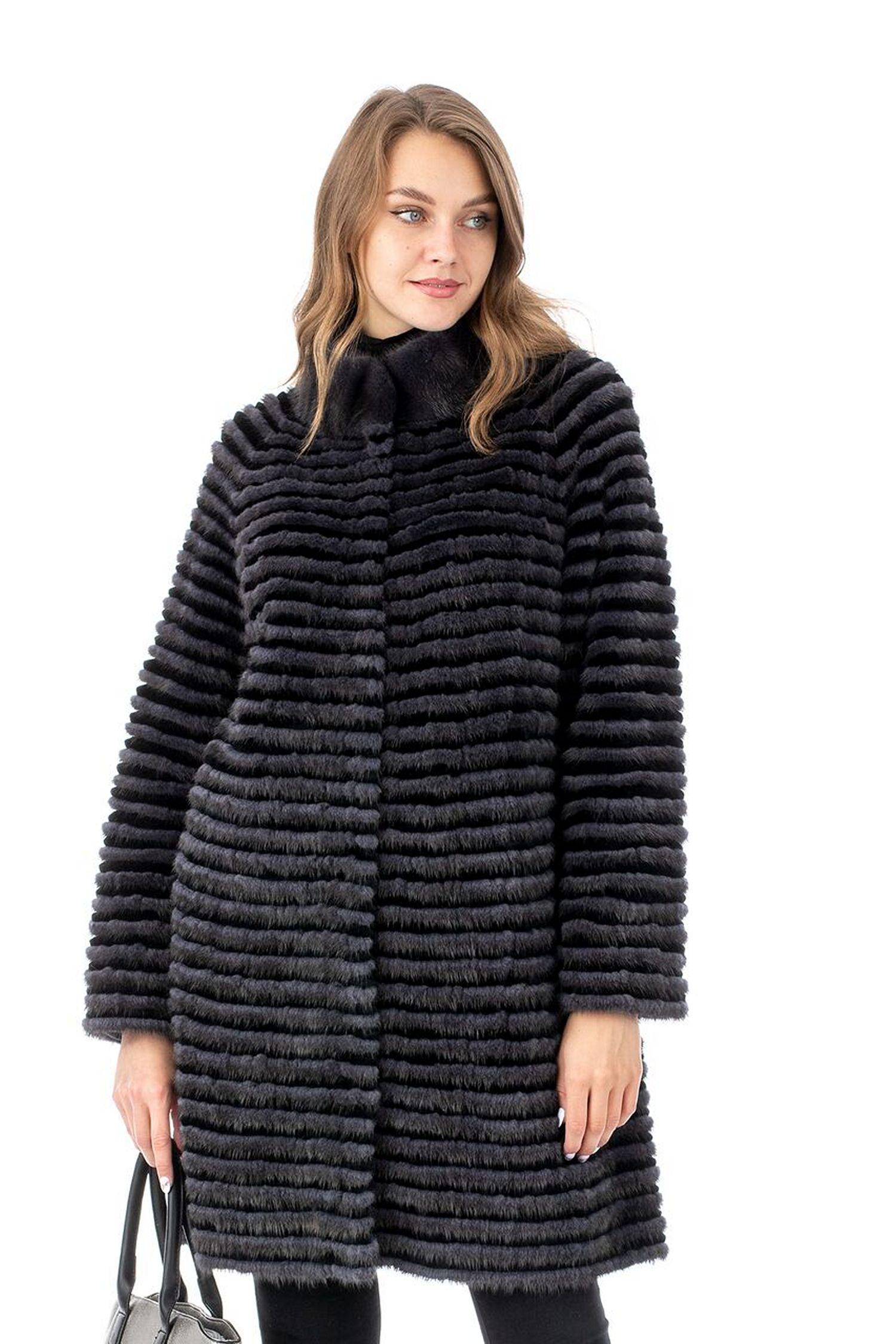 Женское пальто из текстиля и норки с воротником
