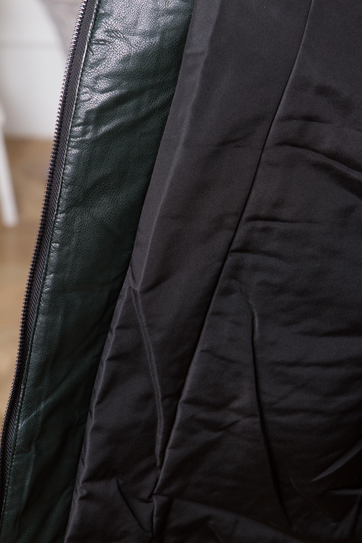 Пуховик женский из эко-кожи с капюшоном, отделка чернобурка