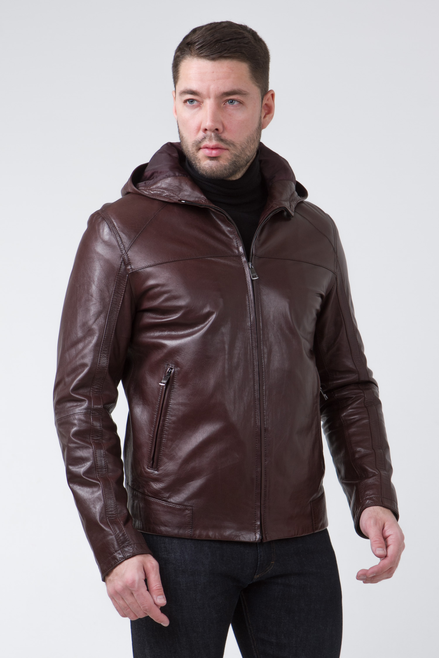 Мужская кожаная куртка из натуральной кожи с капюшоном, без отделки<br><br>Воротник: капюшон<br>Длина см: Короткая (51-74 )<br>Материал: Кожа овчина<br>Цвет: коричневый<br>Вид застежки: центральная<br>Застежка: на молнии<br>Пол: Мужской<br>Размер RU: 52