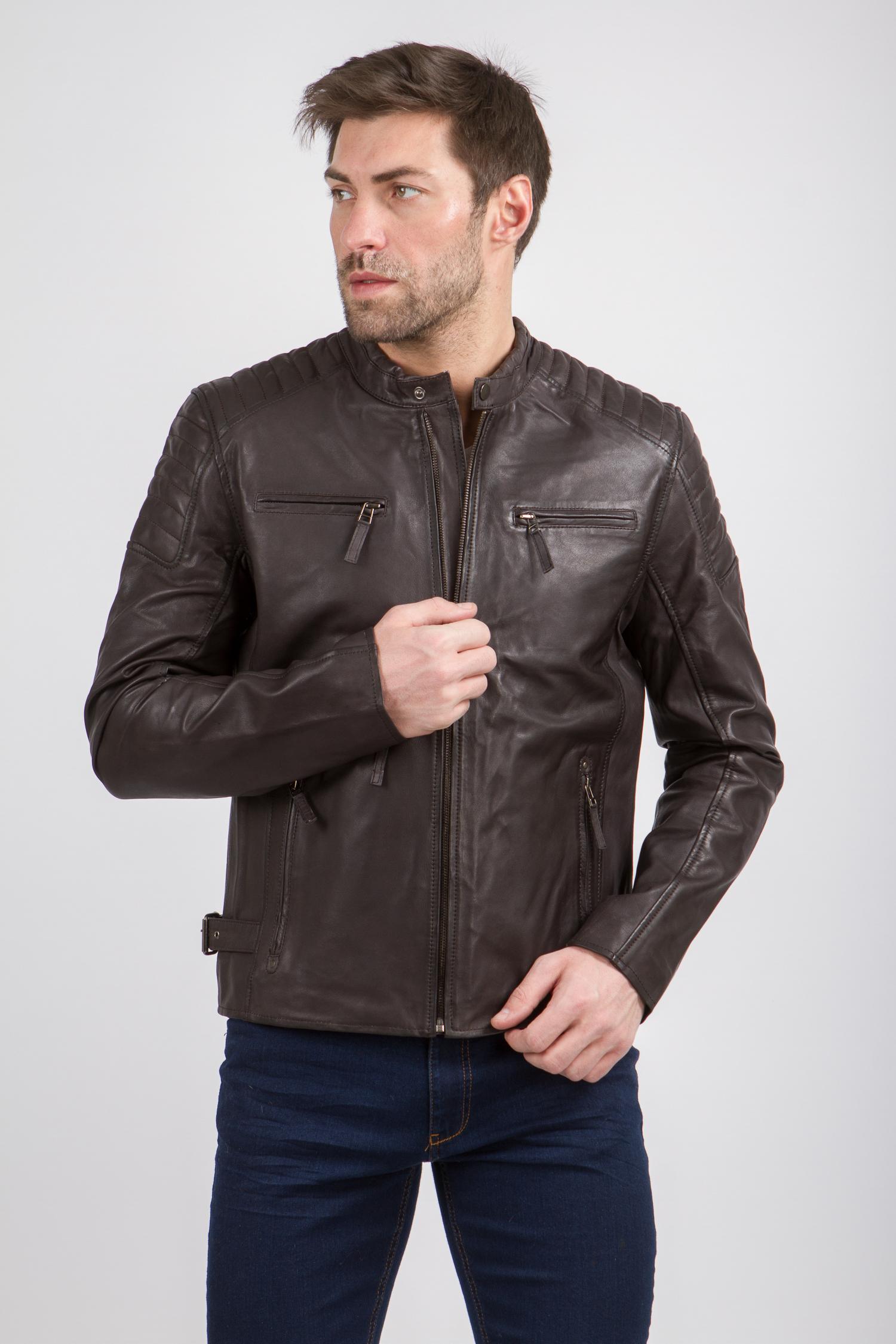 Мужская кожаная куртка из натуральной кожи с воротником, без отделки<br><br>Воротник: стойка<br>Длина см: Короткая (51-74 )<br>Материал: Кожа овчина<br>Цвет: коричневый<br>Вид застежки: центральная<br>Застежка: на молнии<br>Пол: Мужской<br>Размер RU: 58