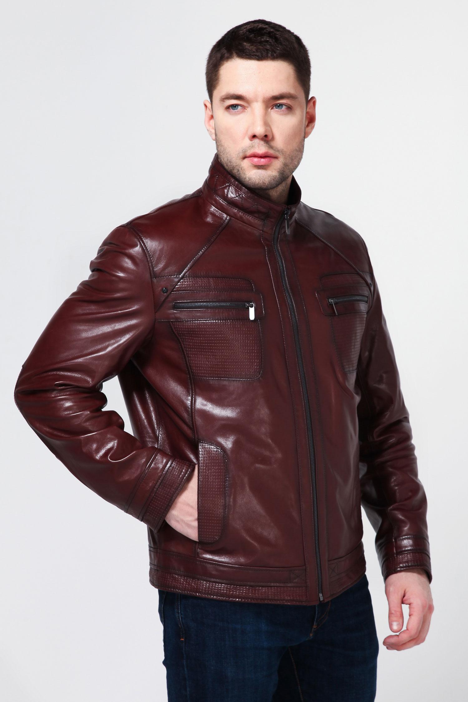 Мужская кожаная куртка из натуральной кожи с воротником, без отделкиСтильная куртка - незаменимая вещь в гардеробе современного мужчины. Модель с воротником-стойкой и застежкой на молнию. Изделие дополнено различными вместительными карманами. Манжеты рукавов и низ изделия окантованы. Отличный вариант, который подчеркнет Вашу индивидуальность.<br><br>Воротник: С воротником<br>Длина см: 70<br>Материал: Натуральная кожа<br>Цвет: Темно-коричневый<br>Пол: Мужской