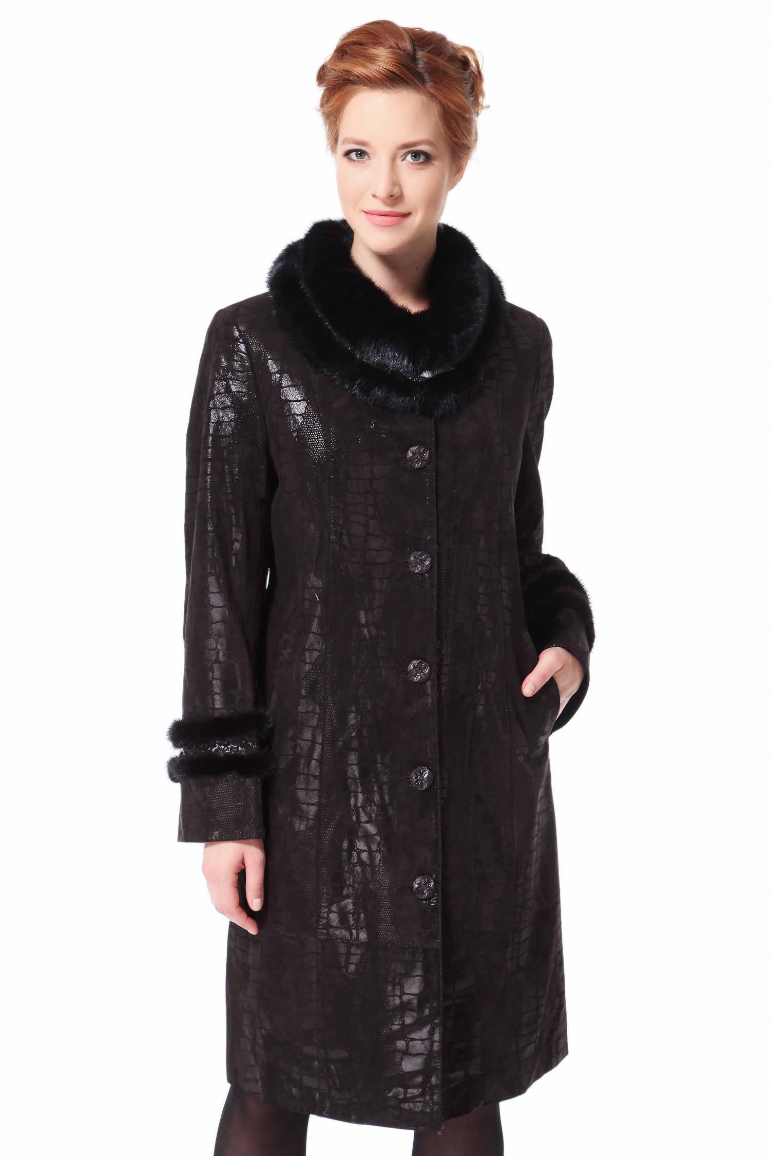 Женское кожаное пальто из натуральной кожи с воротником, отделка норкаЦвет  горький шоколад.<br>Куртка изготовлена из высококачественной замши с накатом. Отделка - мех норки. В качестве утеплителя использован синтепон.<br>Модель имеет роскошный и оригинально оформленный норковый воротник, который изумительно сбалансирует зону декольте и плечевой пояс. Используя современные технологии, на замшу нанесен рисунок имитирующий анималистический принт, являющийся горячим трендом нового сезона. Идеально выверенные лекала и пластичность сырья обеспечивают безупречную посадку, и подчеркнут все достоинства дам с округлым типом фигуры. Модель поможет создать образ очень яркий, энергичный, и запоминающийся<br><br>Воротник: отложной<br>Длина см: Длинная (свыше 90)<br>Материал: Замша<br>Цвет: коричневый<br>Вид застежки: центральная<br>Застежка: на пуговицы<br>Пол: Женский<br>Размер RU: 58
