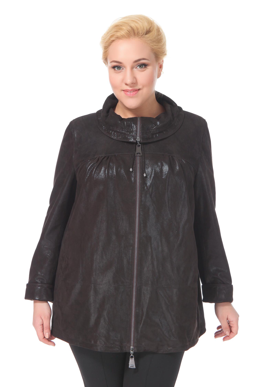 Женская кожаная куртка из натуральной замши с накатом, без отделкиКуртка от Московской меховой компании выполнена из натуральной замши с накатом шоколадного цвета.<br><br>Модель свободного кроя с застежкой на молнию.<br><br>Детали: воротник-хомут на кулиске, боковые карманы без застежки, текстильная подкладка из полиэстера.<br><br>Воротник: отложной<br>Длина см: Короткая (51-74 )<br>Материал: Замша<br>Цвет: коричневый<br>Вид застежки: центральная<br>Застежка: на молнии<br>Пол: Женский<br>Размер RU: 50