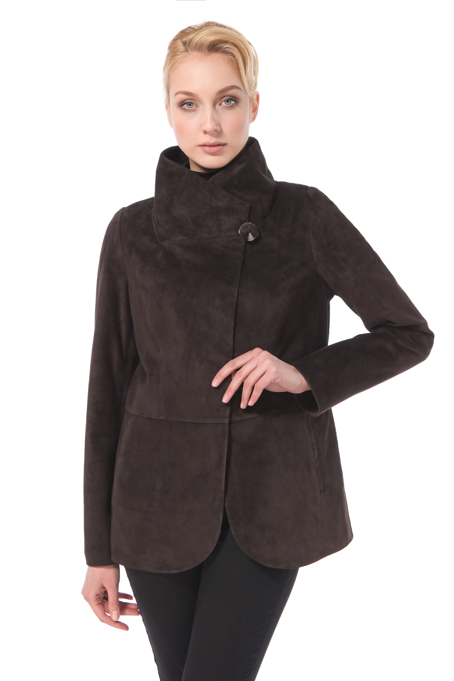 Женская кожаная куртка из натуральной замши с воротником, без отделки<br><br>Воротник: стойка<br>Длина см: Короткая (51-74 )<br>Материал: Замша<br>Цвет: коричневый<br>Пол: Женский<br>Размер RU: 52