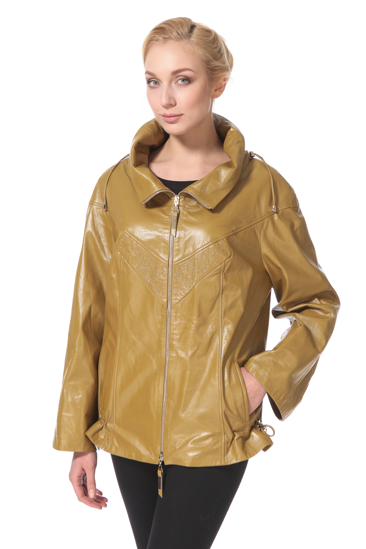 Женская кожаная куртка из натуральной кожи с воротником, без отделкиОригинальная модель для тех, кто не боится экспериментов! Свободный крой этой комфортной, но в тоже время женственной куртки по достоинству оценят те, кто не стремится подчеркивать фигуру. Очень удобный объемный воротник, застежка-молния кулиски на боковых частях - нюансы дизайна, которые обязательно придутся по вкусу особам, стремящимся всегда успевать за стремительным ритмом города. Очень актуальный в этом сезоне горчичный цвет и деликатная отделка в виде металлических клепок - дополнительные бонусы этой, и без того, очень интересной модели!<br><br>Воротник: стойка<br>Длина см: Короткая (51-74 )<br>Материал: Кожа овчина<br>Цвет: зеленый<br>Застежка: на молнии<br>Пол: Женский<br>Размер RU: 46