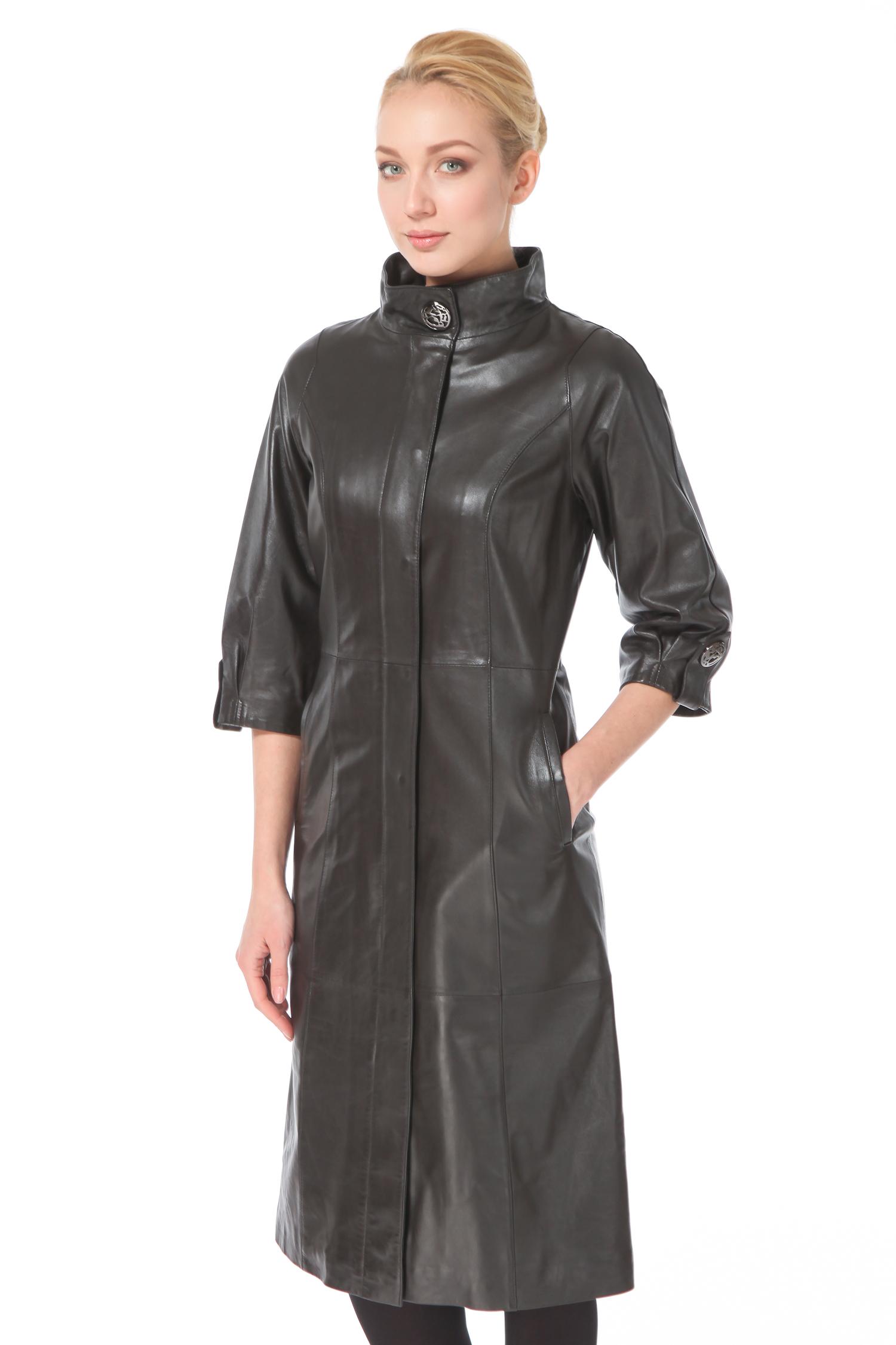 Женское кожаное пальто из натуральной кожи с воротником, без отделкиЦвет  нефритовый (холодный темно-зеленый с серым оттенком).<br><br>Настоящий хит! Кожаное пальто давно считается самой красивой и элегантной вещью гардероба, которая не имеет аналогов. Не смотря на консерватизм и минимализм, пальто весьма элегантное и респектабельное благодаря редкому цвету и безупречной посадке. Высокое положение последней пуговицы, длина рукава 3/4, металлическая фурнитура делают модель очень современной. Изюминка модели  мягкие складки и декоративный ремешок, венчающие нижний срез рукава. Ни одна настоящая модница не упустит возможности приобрести пальто, которое выглядит очень стильно, придавая образу своей обладательницы особое настроение.<br><br>Воротник: стойка<br>Длина см: Длинная (свыше 90)<br>Материал: Кожа овчина<br>Цвет: черный<br>Застежка: на молнии<br>Пол: Женский<br>Размер RU: 48