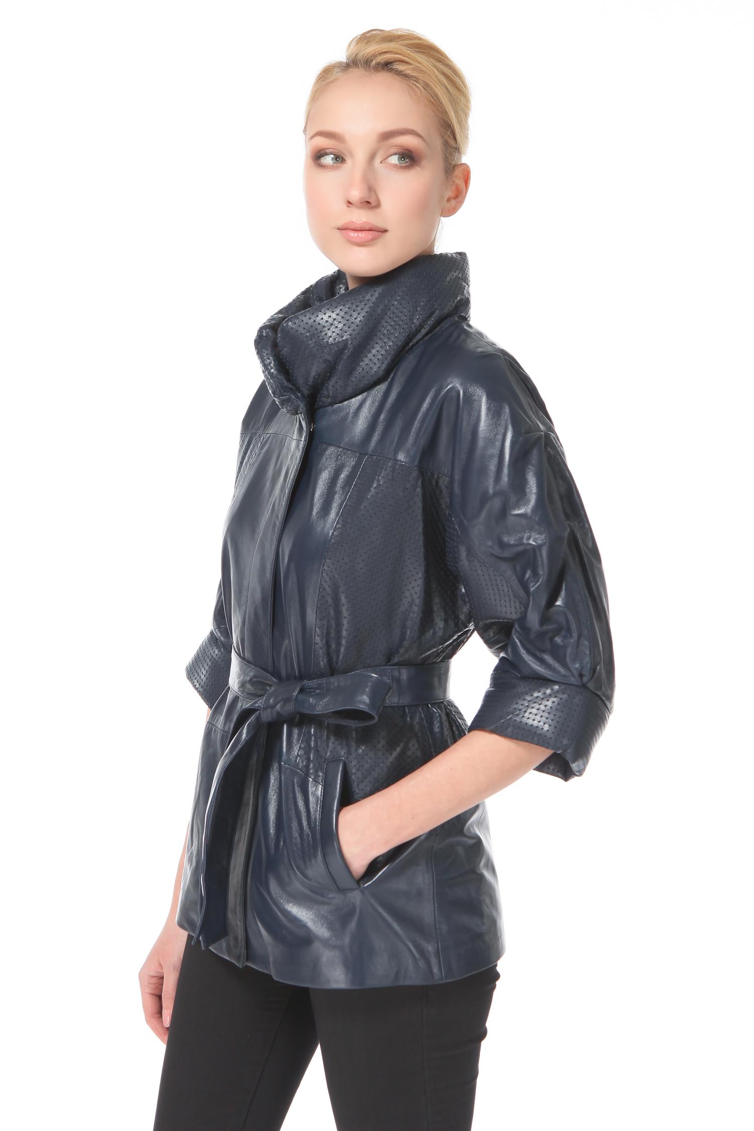 Женская кожаная куртка из натуральной кожи с воротником, без отделки<br><br>Воротник: стойка<br>Длина см: Средняя (75-89 )<br>Материал: Кожа овчина<br>Цвет: синий<br>Вид застежки: потайная<br>Застежка: на молнии<br>Пол: Женский<br>Размер RU: 52