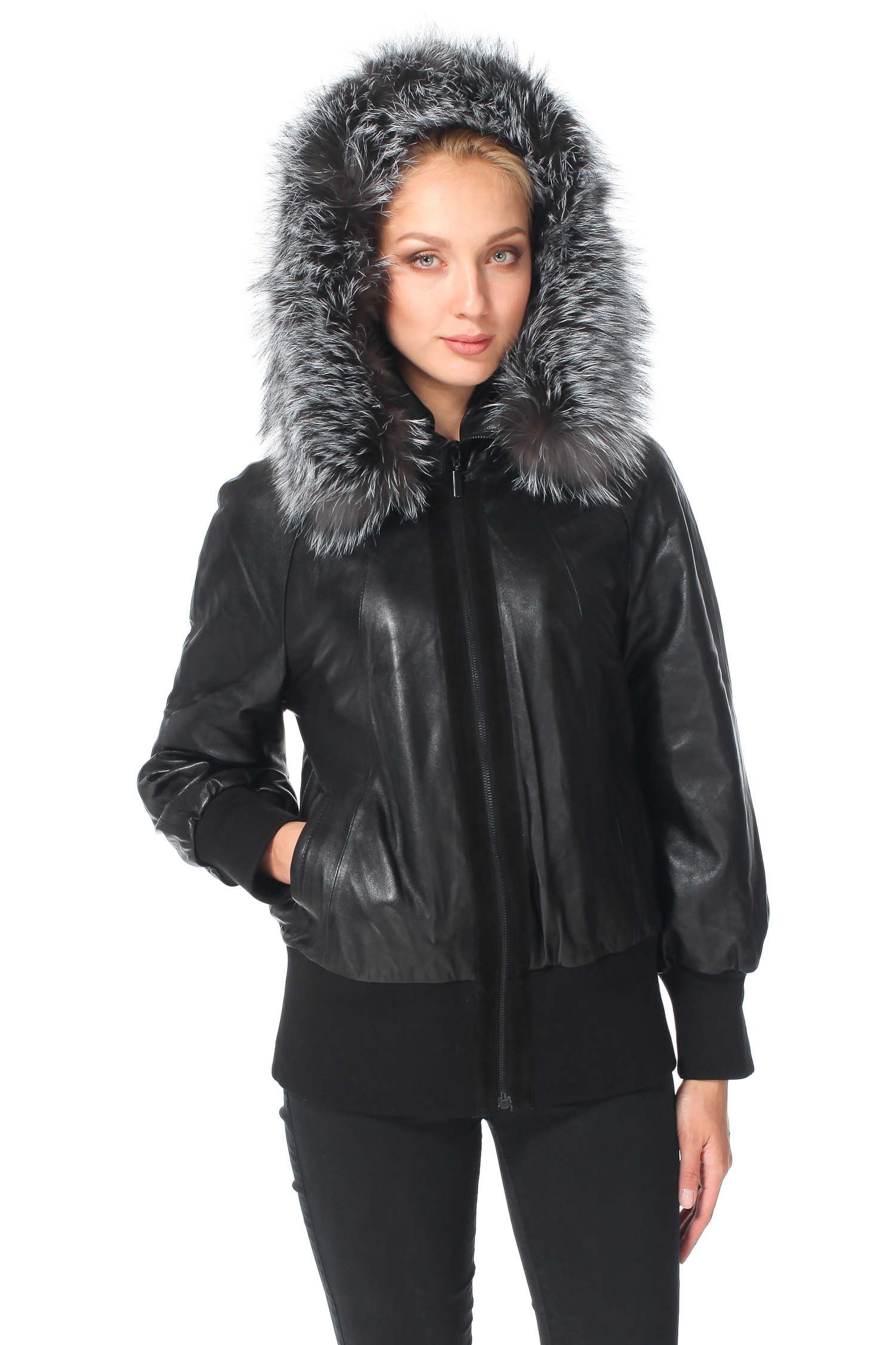 Женская кожаная куртка из натуральной кожи с капюшоном, отделка чернобуркаЦвет - оникс (черный).<br><br>Стильная и очень удобная куртка из натуральной кожи ягненка.<br><br>Главная деталь этой модели - глубокий капюшон, оформленный натуральным мехом чернобурки. Это великолепное дополнение сдержанного и лаконичного дизайна куртки, а также функциональная защита от ветра. В случае дождя, натуральный мех можнолегко отстегнуть.<br><br>Свободный силуэт оформлен текстильной резинкой на рукавах и внизу изделия. Куртка утеплена тонким слоем синтепона.Благодаря этим деталям изделие будет особенно комфортно носить в осенне-весенней период. Застежка выполнена на молнию с тонкой отстрочкой из натуральной замши. Боковые карманы без застежки. <br><br>Функциональная и стильная куртка для тех, кто живет в ритме большого города!<br><br>Воротник: капюшон<br>Длина см: Короткая (51-74 )<br>Материал: Кожа овчина<br>Цвет: черный<br>Пол: Женский<br>Размер RU: 50