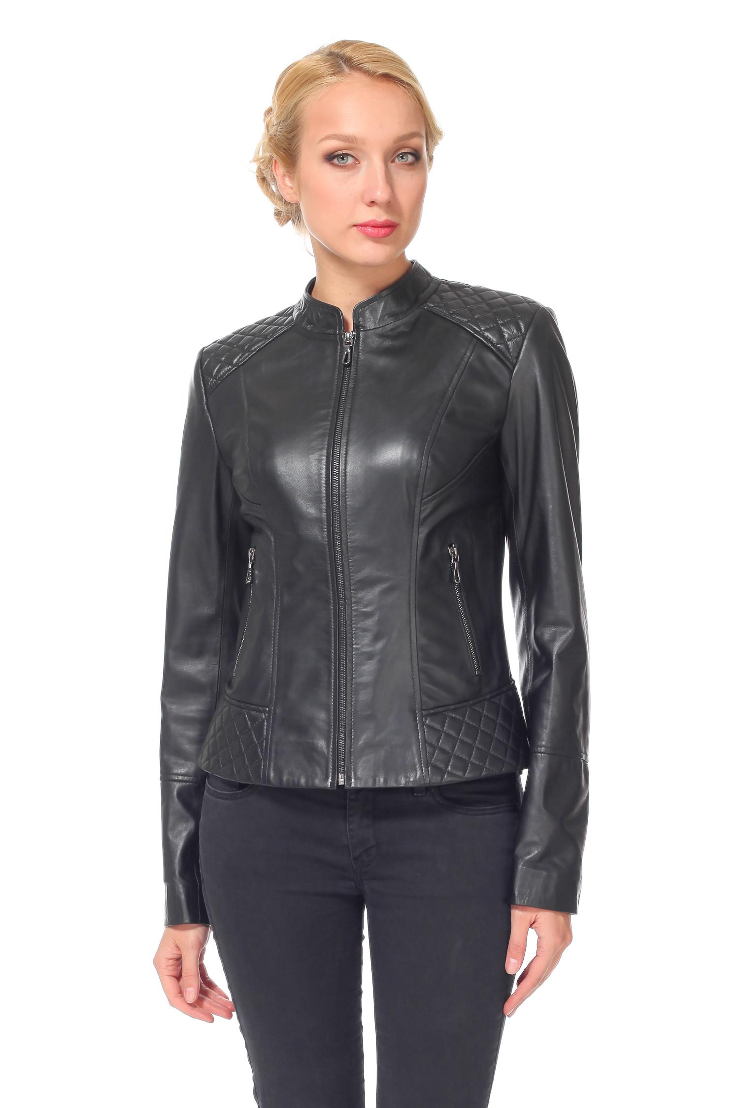 Женская кожаная куртка из натуральной кожи с воротником, без отделкиЦвет - оникс.<br><br>Модель изготовлена из высококачественной кожи.<br><br>Благодаря фасону и цветовой гамме, эта кожаная куртка станет базовой вещью в гардеробе. Модель станет идеальным дополнением стиля casual, куртку легко комбинировать с джинсами или платьем. У модели отсутствуют яркие декоративные детали. Но стиль этой куртке задают качество кожи и фурнитуры, фасон и цвет. Для вашего удобства застежка и прорезные карманы выполнены на молнию. Эта кожаная куртка - безупречная классика в верхней одежде, которая никогда не выйдет из моды!<br><br>Воротник: Стойка<br>Длина см: 55<br>Материал: Кожа<br>Цвет: Черный<br>Пол: Женский<br>Размер RU: 44