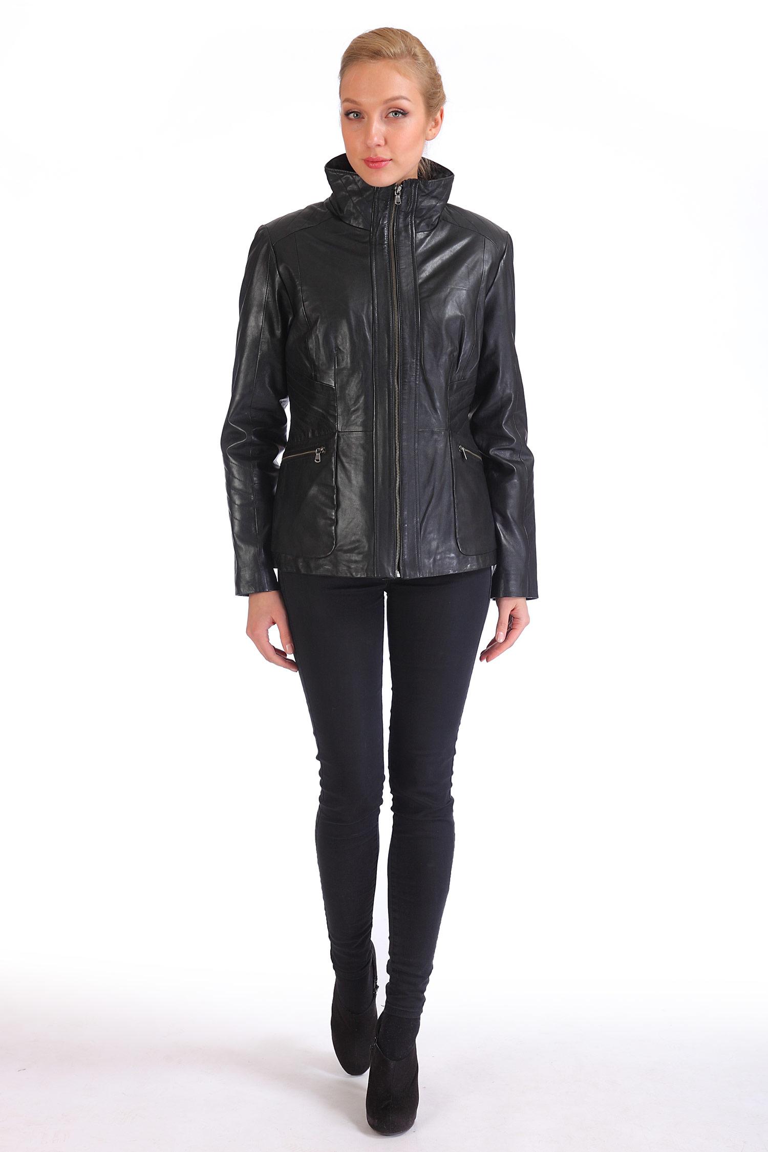 Фото 3 - Женская кожаная куртка из натуральной кожи с воротником от МОСМЕХА черного цвета