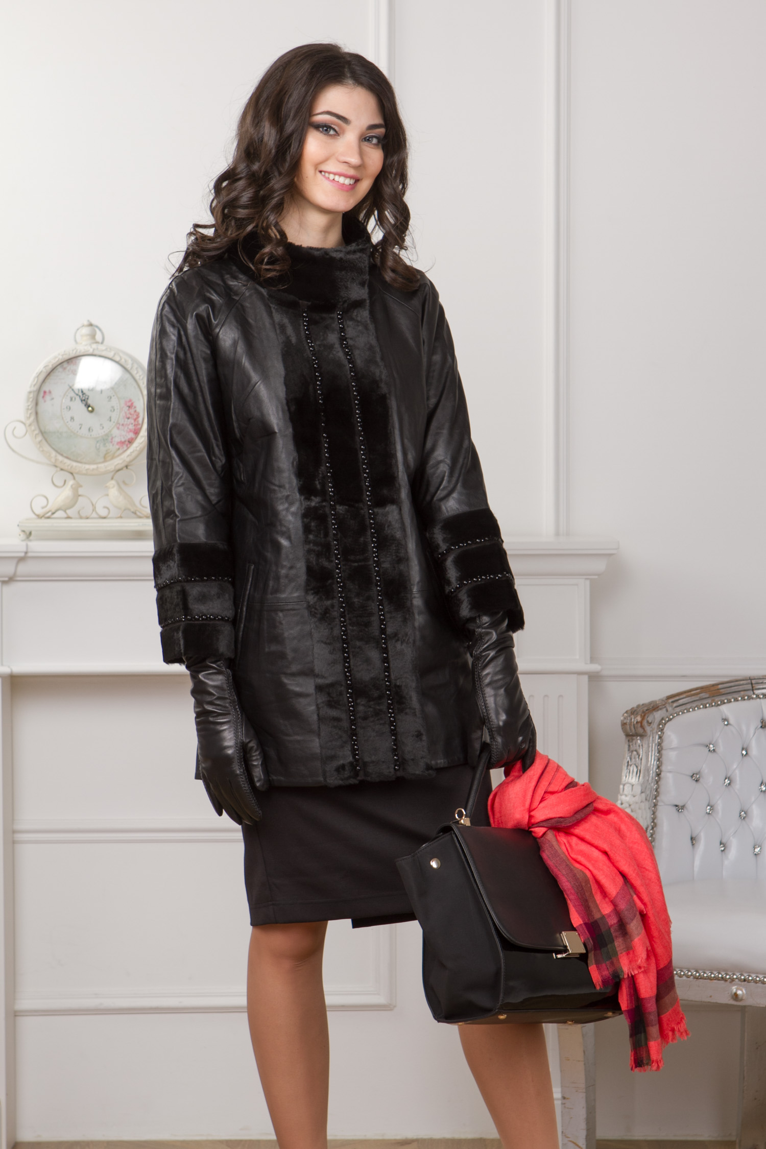Женское кожаное пальто из натуральной кожи с воротником, отделка кролик Женское кожаное пальто из натуральной кожи с воротником, отделка кролик