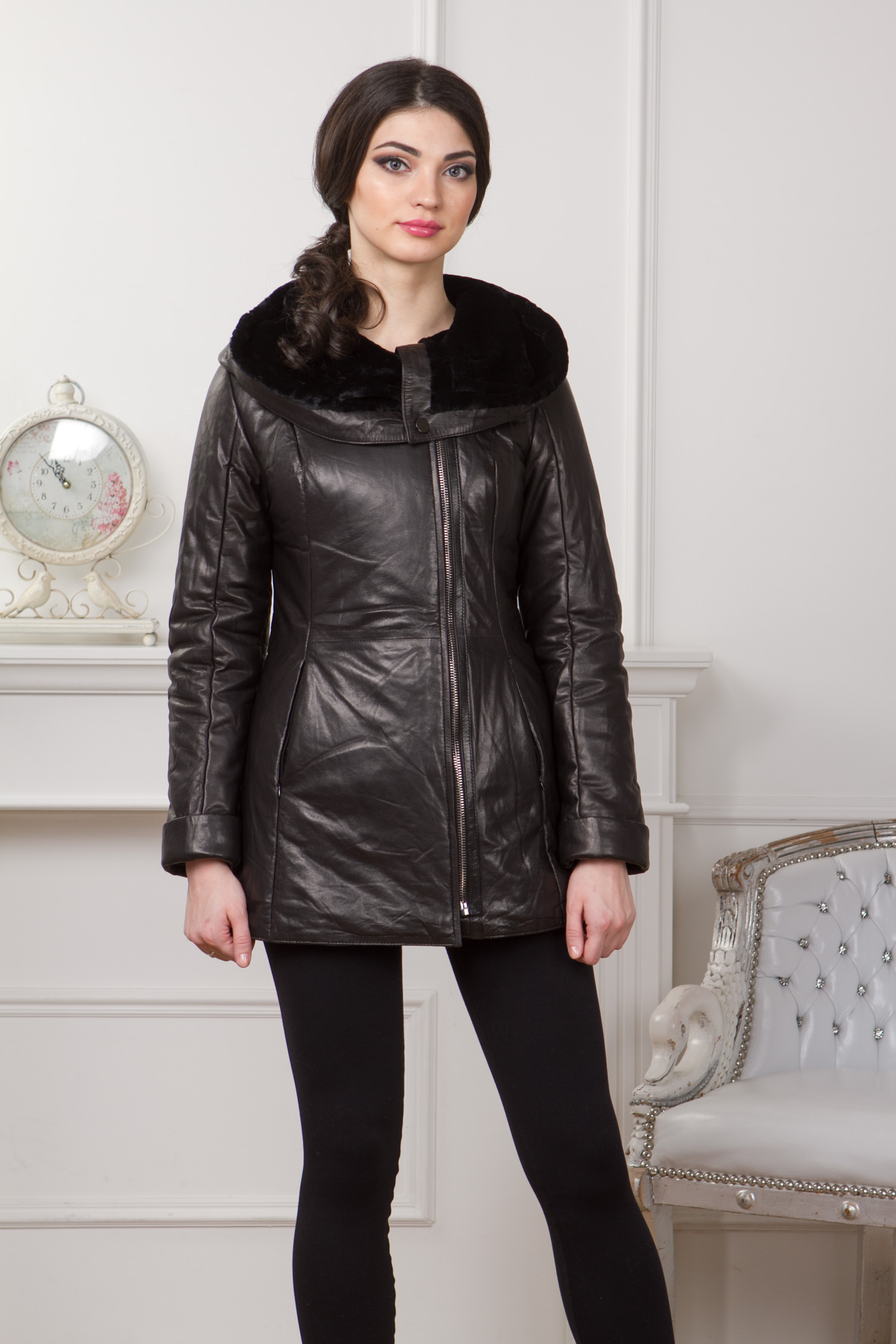 Женская кожаная куртка из натуральной кожи с капюшоном, отделка астраган