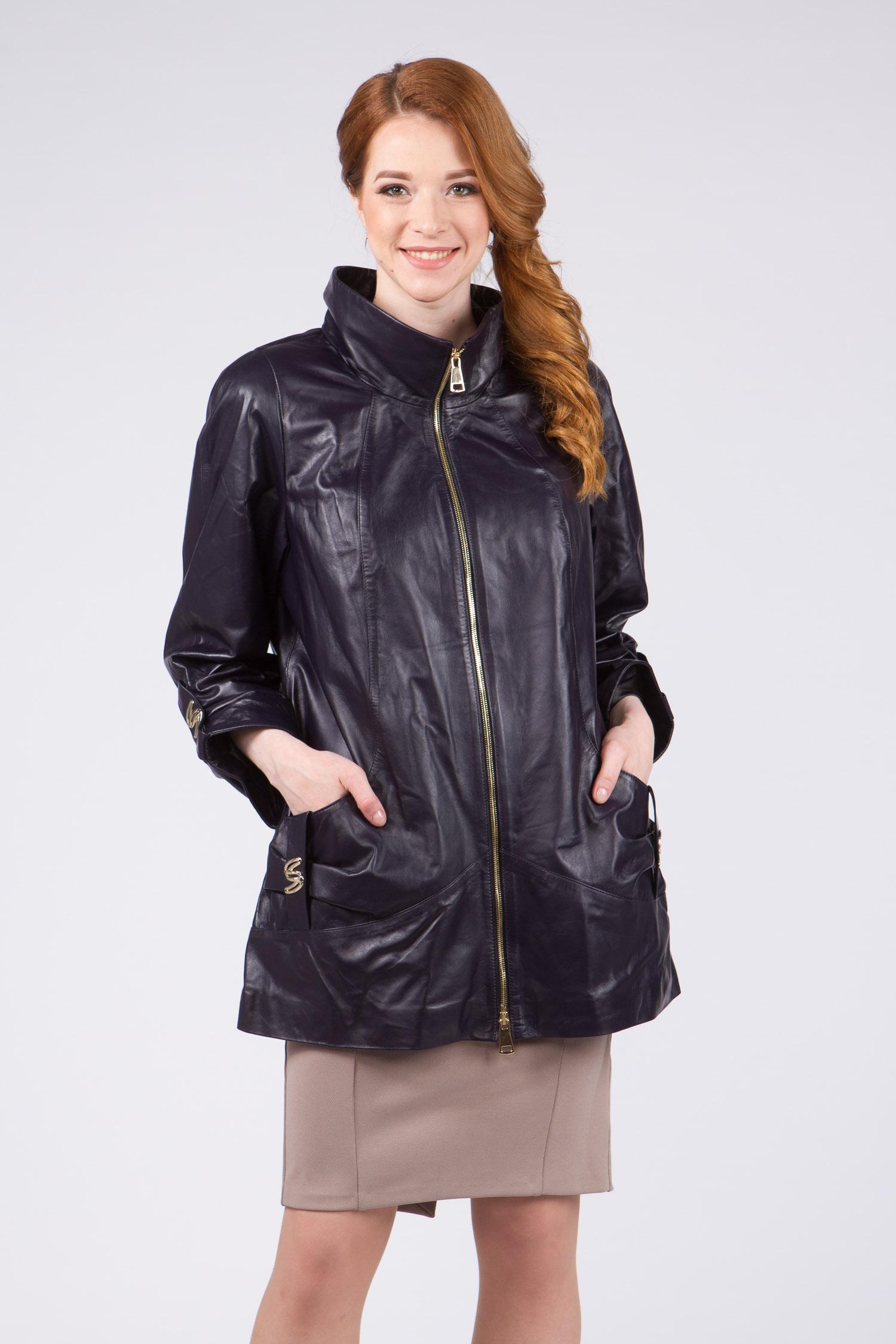 Женская кожаная куртка из натуральной кожи с воротником, без отделки<br><br>Воротник: отложной<br>Длина см: Средняя (75-89 )<br>Материал: Кожа овчина<br>Цвет: фиолетовый<br>Вид застежки: центральная<br>Застежка: на молнии<br>Пол: Женский<br>Размер RU: 62