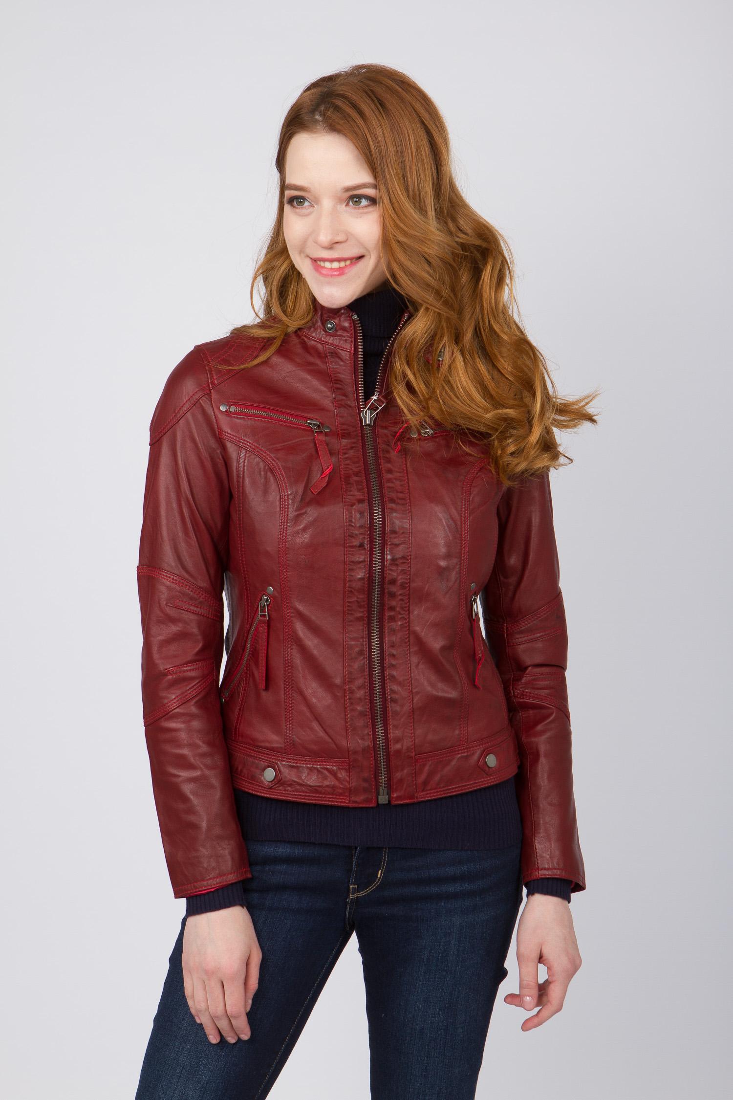 Женская кожаная куртка из натуральной кожи с воротником, без отделки<br><br>Воротник: стойка<br>Длина см: Короткая (51-74 )<br>Материал: Кожа овчина<br>Цвет: красный<br>Вид застежки: центральная<br>Застежка: на молнии<br>Пол: Женский<br>Размер RU: 52