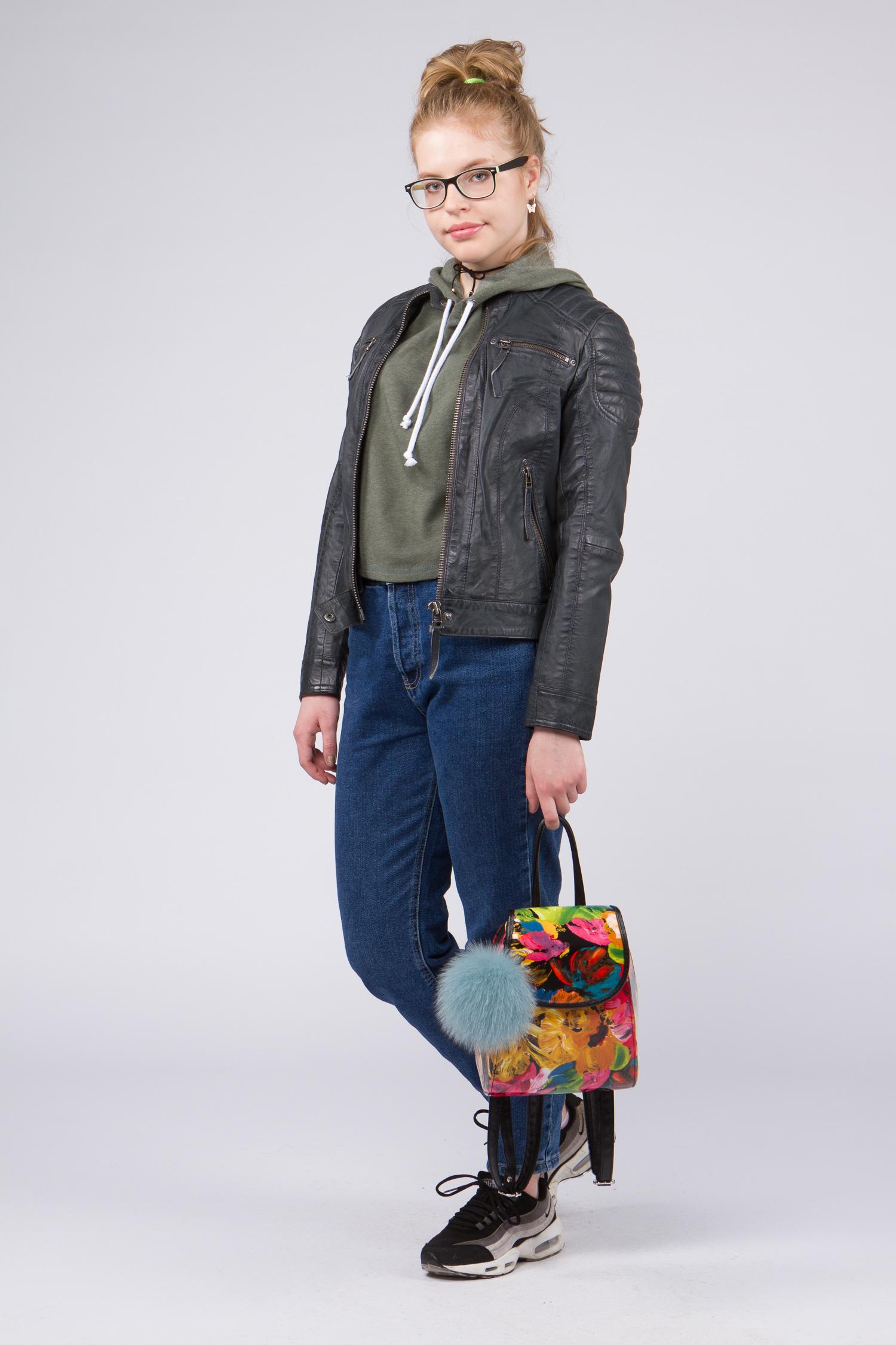 Женская кожаная куртка из натуральной кожи с воротником, без отделки<br><br>Воротник: стойка<br>Длина см: Ультра короткая (менее 50 )<br>Материал: Кожа овчина<br>Цвет: серый<br>Вид застежки: центральная<br>Застежка: на молнии<br>Пол: Женский<br>Размер RU: 52