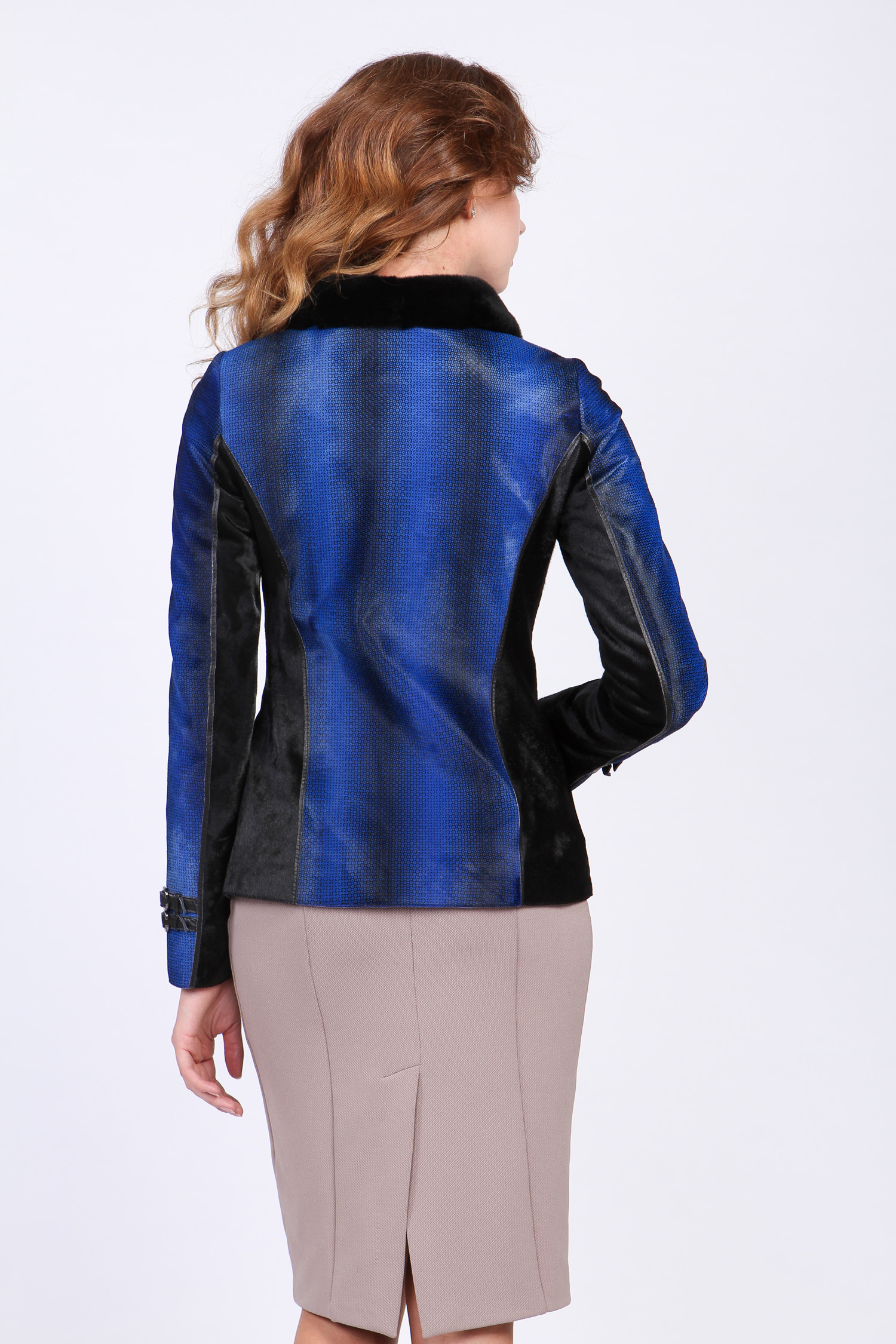Женская кожаная куртка из натуральной кожи с воротником, отделка кролик от Московская Меховая Компания