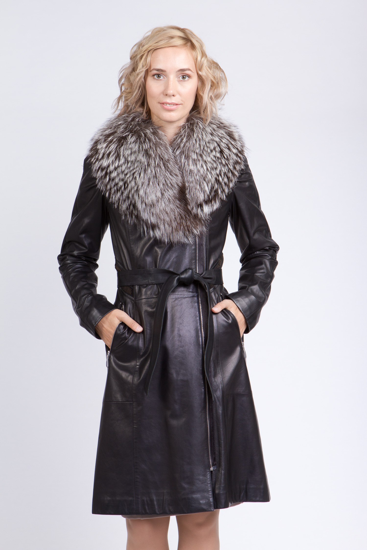 Женское кожаное пальто из натуральной кожи с воротником, отделка енот