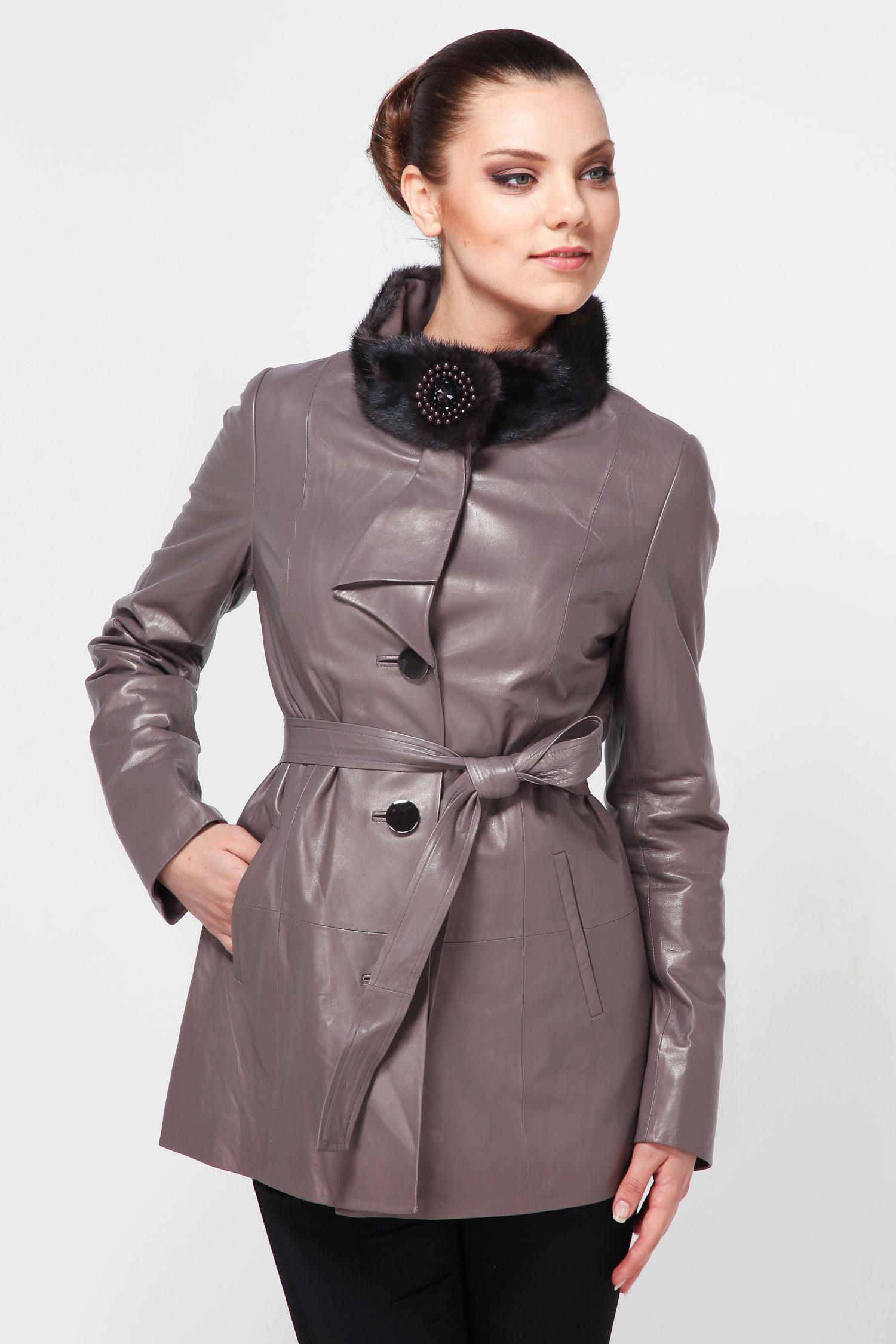 Женская кожаная куртка из натуральной кожи с воротником, отделка норкаОригинальная куртка станет незаменимой вещью в женском гардеробе. Изделие выполнено из натуральной кожи. Затегивается на стильные декоративные пуговицы. Украшением служит роскошный норковый воротник-стойка. Свободный покрой не стеснит движений и позволит чувствовать себя легко и комфортно в любой ситуации.<br><br>Воротник: стойка<br>Длина см: Короткая (51-74 )<br>Материал: Кожа овчина<br>Цвет: серый<br>Застежка: на пуговицы<br>Пол: Женский<br>Размер RU: 48