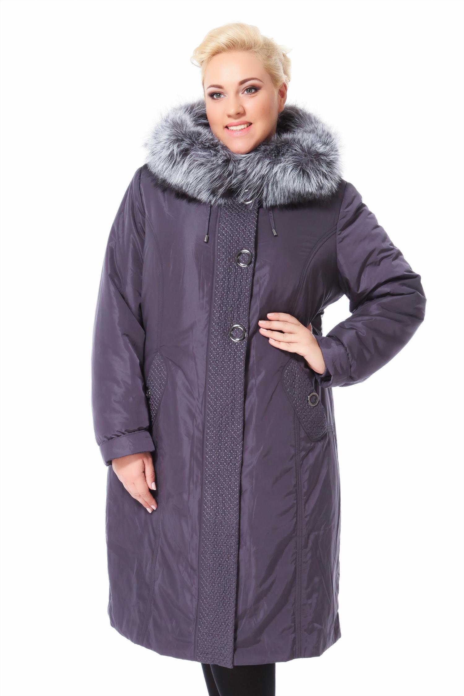Пальто на меху с капюшоном, отделка чернобуркаЦвет  аметист.<br><br>Пальто-пихора сшито из полиэстера. Отделка выполнена из меха черно-бурой лисы. В качестве утеплителя использован синтепон, а также подстежка из меха кролика.<br><br>Пихора это симбиоз практичности, тепла и комфорта, благодаря легкой и невероятно теплой отстегивающейся подкладке из меха кролика и полиэстеру, который отталкивает воду и не пропускает ветер. Модель идеально сядет на разные типы фигур. Широкая планка и прорезные карманы имеют ненавязчивый, но очень выразительный декор. Оригинальная металлическая фурнитура придает образу динамизм. Глубокий капюшон с отделкой из чернобурки позволит не заботиться о наличии такого необходимого аксессуара, как головной убор. Эта модель выбор уверенных в себе девушек и женщин, ведущих активный образ жизни и желающих быть яркими и выразительными.<br><br>Воротник: капюшон<br>Длина см: Длинная (свыше 90)<br>Материал: Текстиль<br>Цвет: фиолетовый<br>Вид застежки: центральная<br>Застежка: на молнии<br>Пол: Женский<br>Размер RU: 52