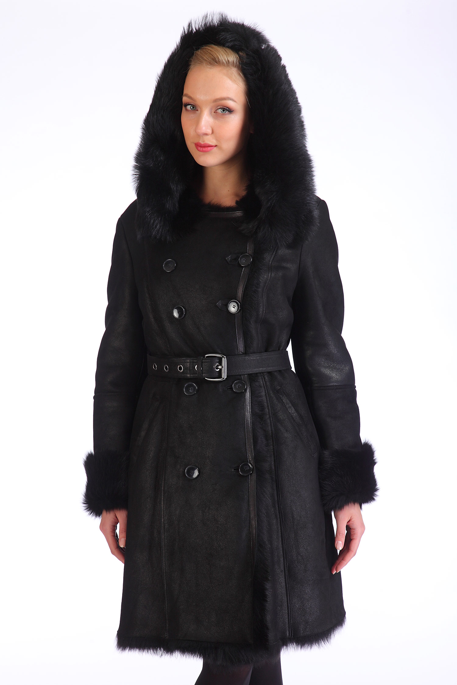 Дубленка женская из натуральной овчины с капюшоном, отделка тосканаЦвет - угольно-черный.<br><br>Модель изготовлена из высококачественной натуральной овчины.<br><br>Удобная, красивая и очень теплая дубленка станет незаменимой в зимний период. Очень женственный приталенный силуэт дополнительно оформлен поясом. Модель с застежкой на пуговицы дополнена боковыми карманами и удобным несъемным капюшоном. Манжеты и капюшон оторочены натуральным мехом тосканы. Комфортная длина позволит носить как брючные костюмы, так и юбки.<br><br>Воротник: капюшон<br>Длина см: Длинная (свыше 90)<br>Материал: Овчина-крек<br>Цвет: черный<br>Вид застежки: двубортная<br>Застежка: пуговицы<br>Пол: Женский<br>Размер RU: 50