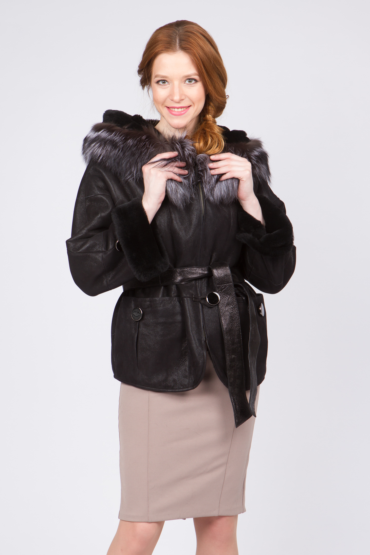 Дубленка женская из натуральной кожи с капюшоном, отделка чернобурка