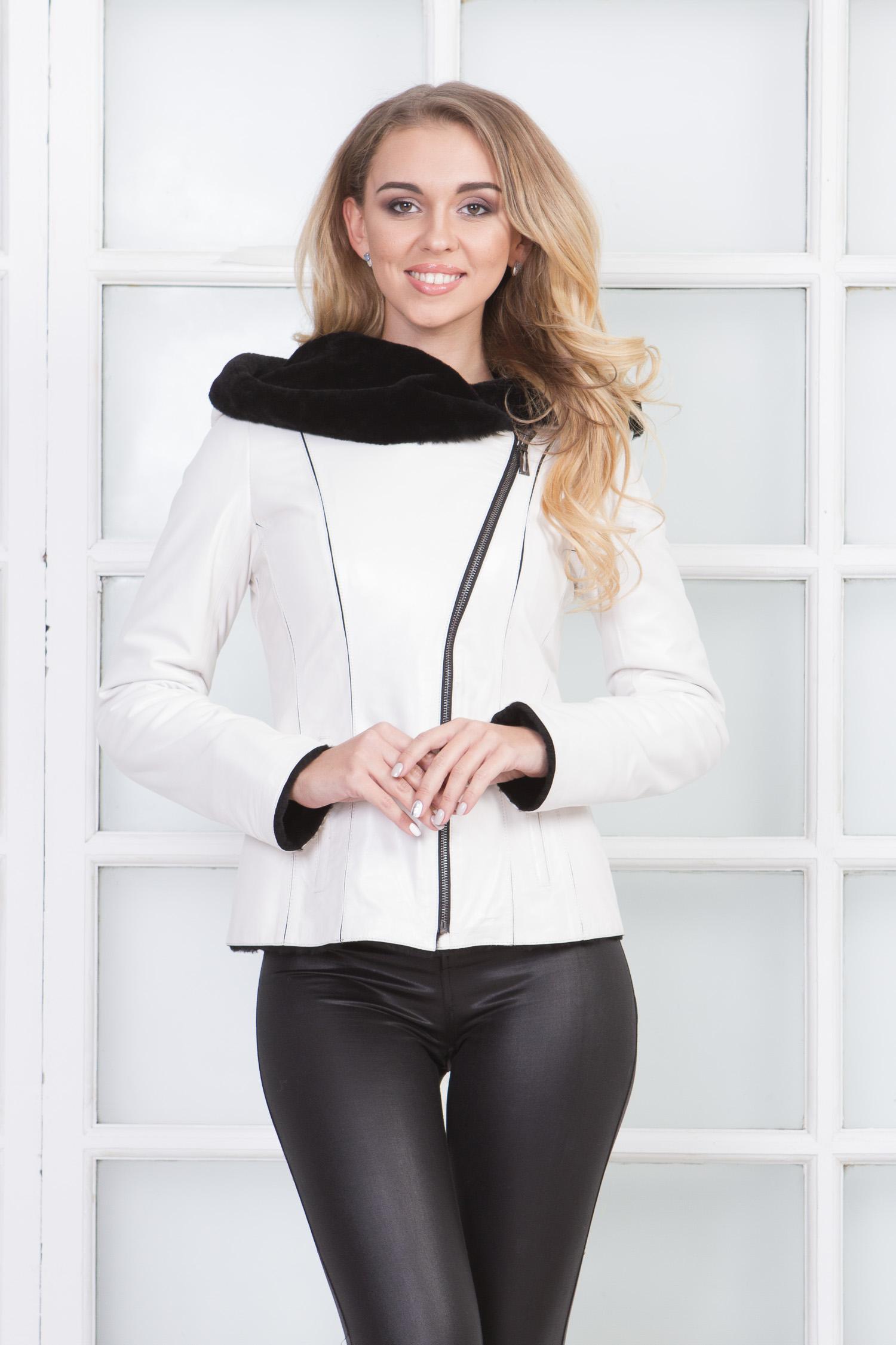 Женская кожаная куртка из натуральной овчины на меху с капюшоном, без отделки