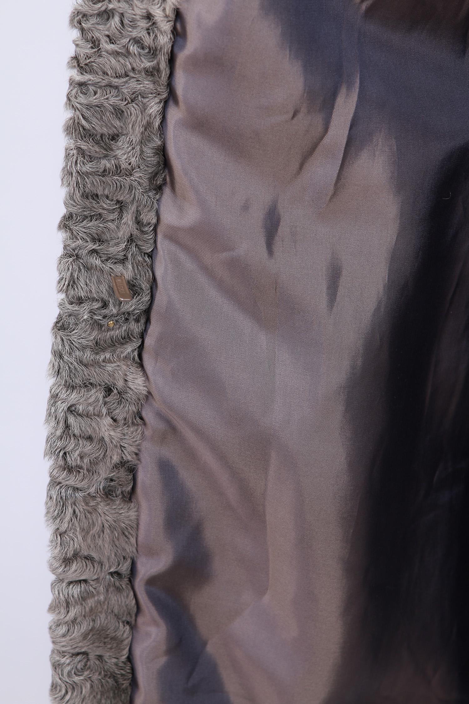 Шуба из каракуля без воротника, без отделки от Московская Меховая Компания