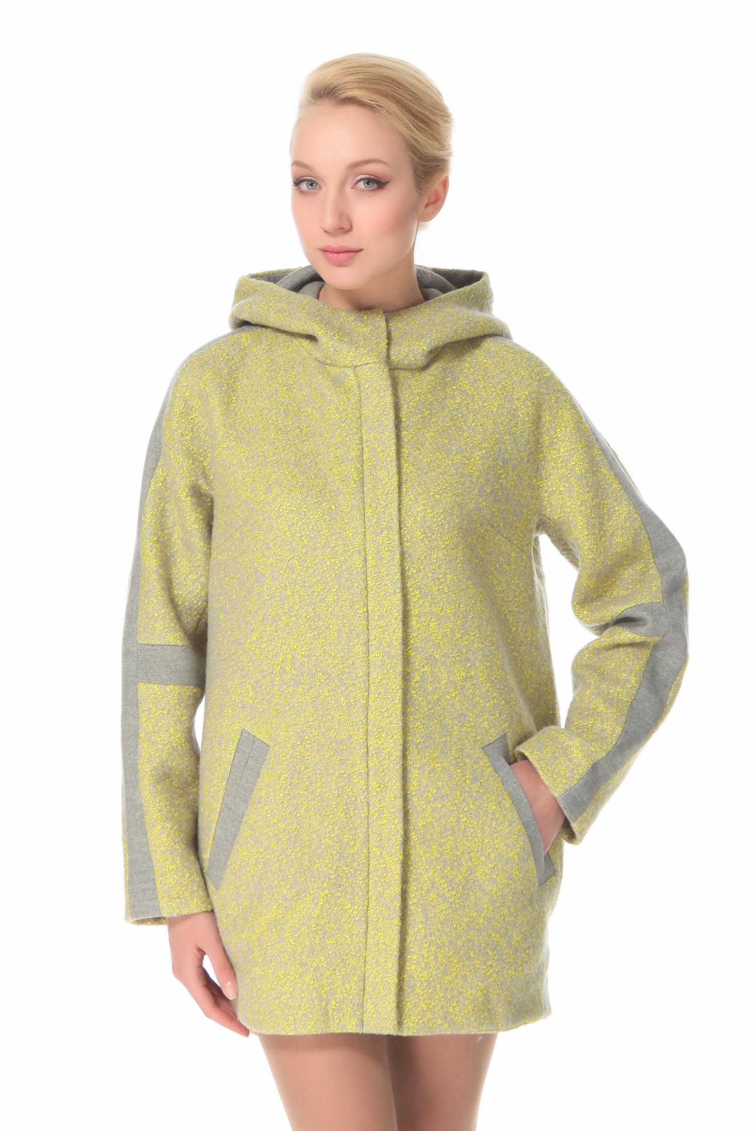 Женское пальто с капюшоном, без отделкиПальто от Московской меховой компании выполнено из кашемира желтого цвета.<br><br>Модель прямого силуэта с застежкой на кнопку и молнию.<br><br>Детали: несъемный капюшон; карманы без застежки; подкладка из полиэстера.<br><br>Воротник: Капюшон<br>Длина см: 90<br>Материал: Кашемир<br>Цвет: Желтый<br>Пол: Женский