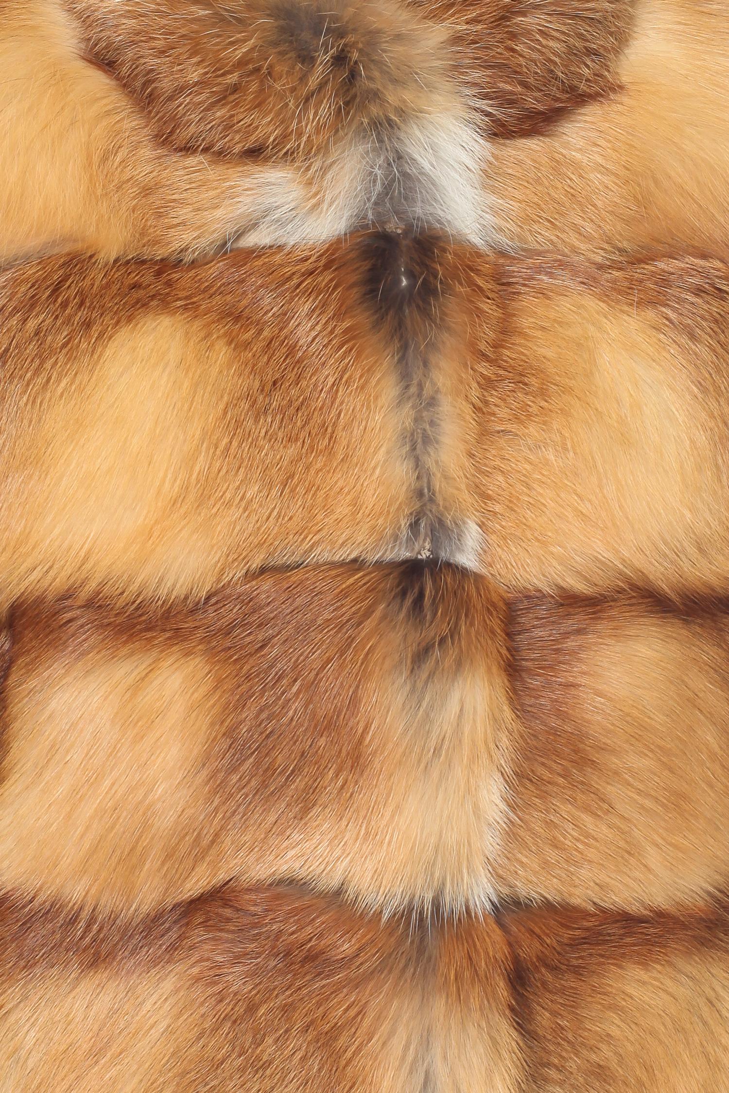 Шуба из лисы с воротником, без отделки от Московская Меховая Компания